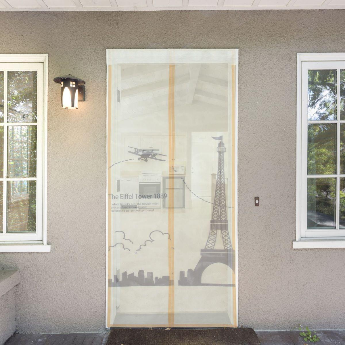 Сетка антимоскитная Париж, на магнитной ленте, 80 х 210 см80004Сетка антимоскитная Париж защитит вас от насекомых, изготовленная на магнитной ленте, универсальна в использовании: подвесьте ее при входе в садовый дом или балкон, чтобы предотвратить попадание комаров внутрь жилища. Наслаждайтесь свежим воздухом без компании надоедливых насекомых.Чтобы зафиксировать занавес в дверном проеме, достаточно закрепить занавеску по периметру двери с помощью кнопок, идущих в комплекте.В комплект входит: полиэстеровая сетка-штора (80 x 210 см), магнитная лента и крепёжные крючки.Принцип действия занавеса предельно прост: каждый раз, когда вы будете проходить сквозь шторы, они автоматически захлопнутся за вами благодаря магнитам, расположенным по всей его длине.