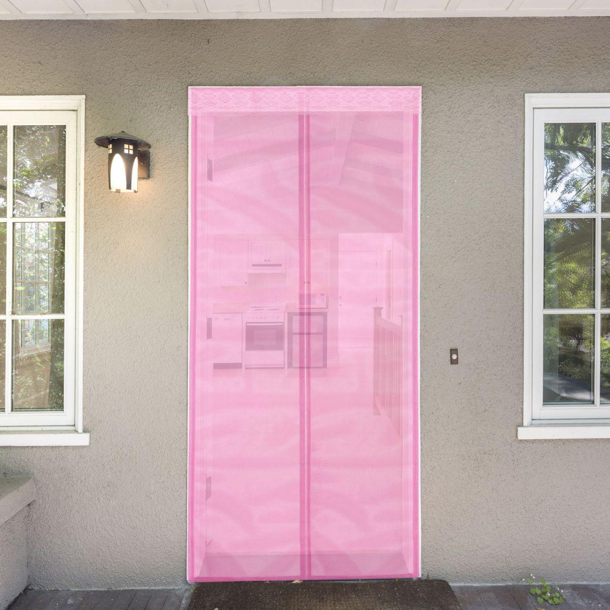 Сетка антимоскитная, на магнитной ленте, цвет: розовый, 80 х 210 смAS 25Занавес от насекомых на магнитной ленте универсален в использовании: подвесьте его при входе в садовый дом или балкон, чтобы предотвратить попадание комаров внутрь жилища. Наслаждайтесь свежим воздухом без компании надоедливых насекомых!Чтобы зафиксировать занавес в дверном проеме, достаточно закрепить занавеску по периметру двери с помощью кнопок, идущих в комплекте.Принцип действия занавеса предельно прост: каждый раз, когда вы будете проходить сквозь шторы, они автоматически «захлопнутся» за вами благодаря магнитам, расположенным по всей его длине.