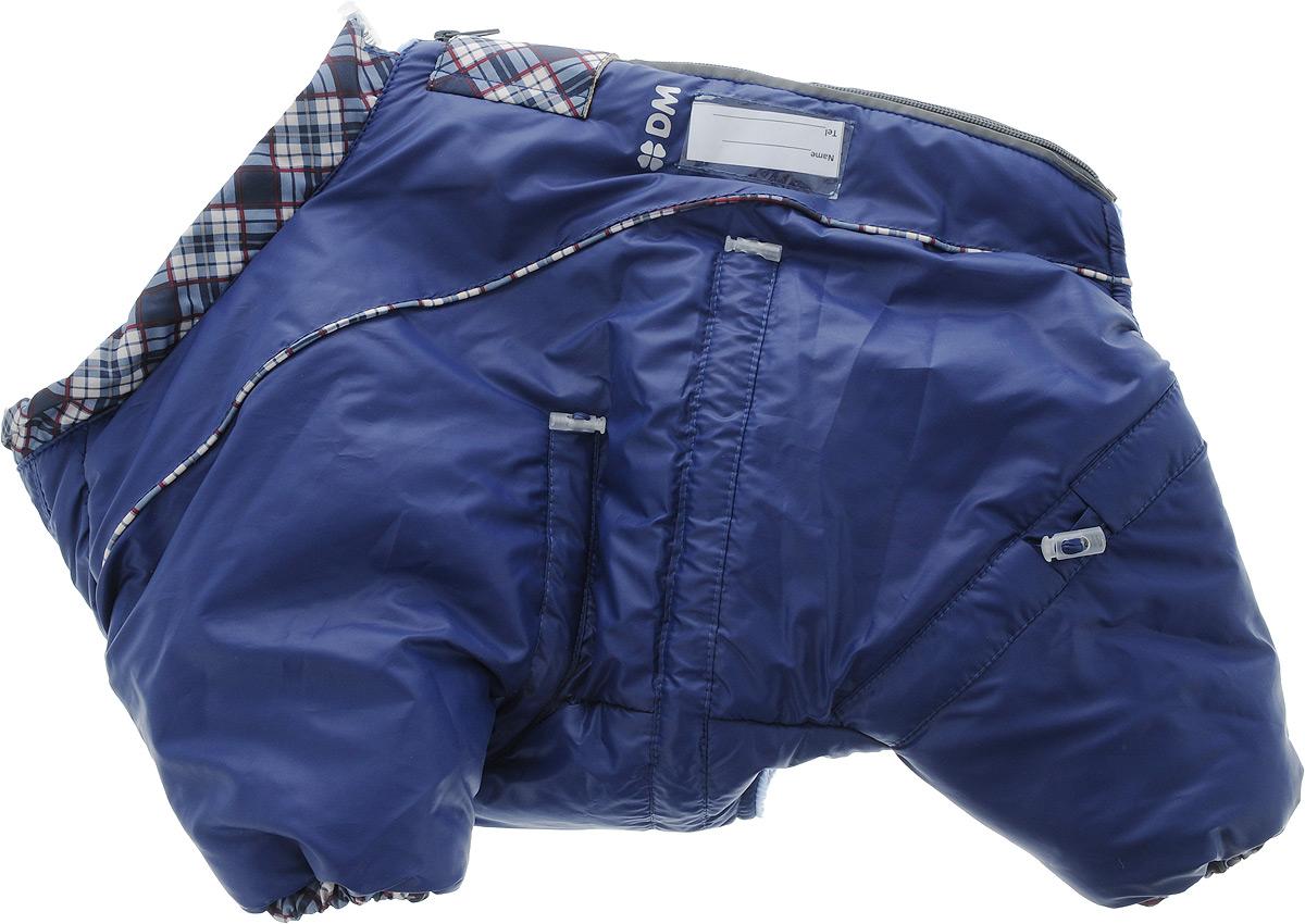 Комбинезон для собак Dogmoda Doggs, зимний, для мальчика, цвет: темно-синий. Размер S12171996Комбинезон для собак Dogmoda Doggs отлично подойдет для прогулок в зимнее время года.Комбинезон изготовлен из полиэстера, защищающего от ветра и снега, с утеплителем из синтепона, который сохранит тепло даже в сильные морозы, а на подкладке используется искусственный мех, который обеспечивает отличный воздухообмен. Комбинезон застегивается на молнию и липучку, благодаря чему его легко надевать и снимать. Молния снабжена светоотражающими элементами. Низ рукавов и брючин оснащен внутренними резинками, которые мягко обхватывают лапки, не позволяя просачиваться холодному воздуху. На вороте, пояснице и лапках комбинезон затягивается на шнурок-кулиску с затяжкой. Модель снабжена непромокаемым карманом для размещения записки с информацией о вашем питомце, на случай если он потеряется.Благодаря такому комбинезону простуда не грозит вашему питомцу и он не даст любимцу продрогнуть на прогулке.