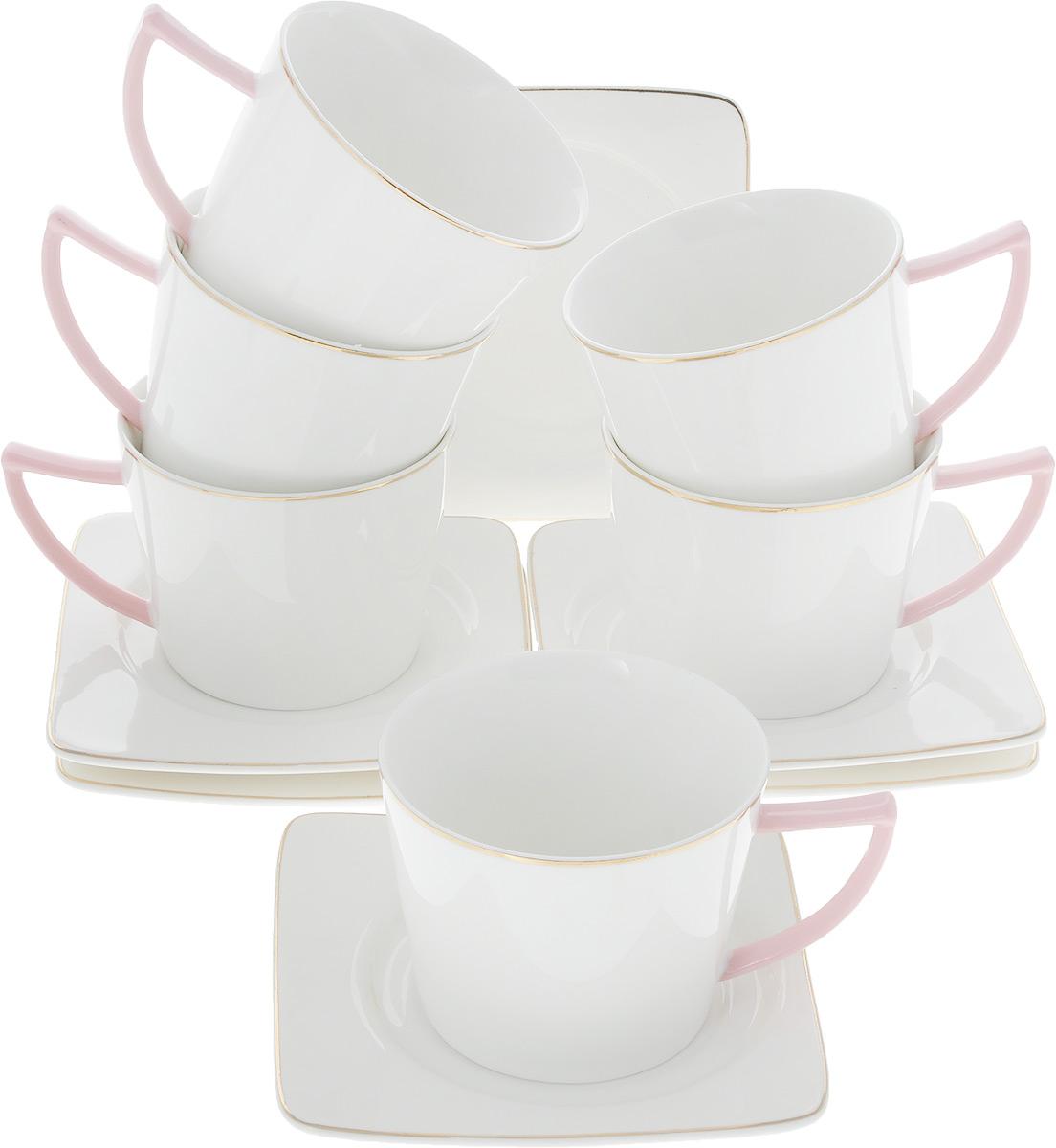 Сервиз чайный Loraine Нежность, 12 предметов. 26642115510Чайный сервиз Loraine на 6 персон выполнен из высококачественного костяного фарфора - материала, безопасного для здоровья и надолго сохраняющего тепло напитка. В наборе 6 чашек и 6 блюдец. Несмотря на свою внешнюю хрупкость, каждый из предметов набора обладает высокой прочностью и надежностью. Изделия украшены тонкой золотой каймой, ручки чашек выполнены в розовом цвете. Оригинальный дизайн сделает этот набор изысканным украшением любого стола. Набор упакован в подарочную коробку, поэтому его можно преподнести в качестве оригинального и практичного подарка для родных и близких. Объем чашки: 220 мл. Диаметр чашки (по верхнему краю): 8,5 см. Высота чашки: 7 см. Размер блюдца: 12,5 х 12,5 см.