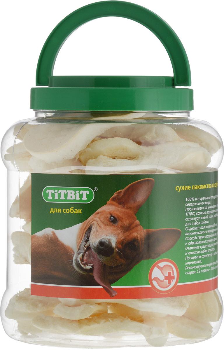 Лакомство для собак Titbit, говяжьи чипсы, 4,3 л0120710Лакомство для собак Titbit - это высушенная говяжья кожа в форме чипсы. Благодаря большому содержанию аминокислот и коллагена положительно воздействует на хрящевую ткань, состояние кожи и шерсти собаки. Способствует снятию зубного камня. Хорошо развивает челюсти. Товар сертифицирован.