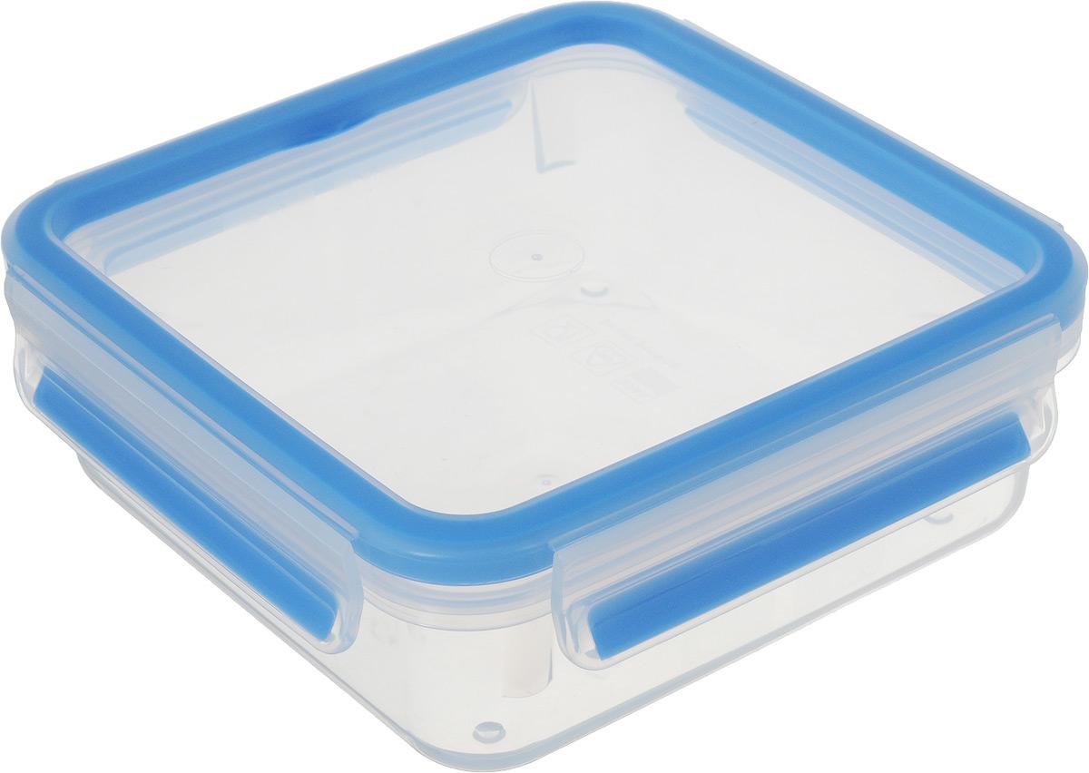 Контейнер пищевой Emsa Clip&Close, 850 млVT-1520(SR)Контейнер Emsa Clip&Close изготовлен из высококачественного антибактериального пищевого пластика, имеющего сертификат BPA-free, который выдерживает температуру от -40°С до +110°С, не впитывает запахи и не изменяет цвет. Это абсолютно гигиеничный продукт, который подходит для хранения даже детского питания. 100% герметичность - идеально не только для хранения, но и для транспортировки пищи. Герметичность достигается за счет специальных силиконовых прослоек, которые позволяют использовать контейнер для хранения не только пищи, но и жидкости. В таком контейнере продукты долгое время сохраняют свою свежесть - до 4-х раз дольше по сравнению с обычными, в том числе и вакуумными контейнерами.100% гигиеничность - уникальная технология применения медицинского силикона в уплотнителе крышки: никаких полостей - никаких микробов. Изделие снабжено крышкой, плотно закрывающейся на 4 защелки. 100% удобство - прозрачные стенки позволяют просматривать содержимое, сохранение пространства за счёт лёгкой установки контейнеров друг на друга. Изделие подходит для домашнего использования, для пикников, поездок, отдыха на природе, его можно взять с собой на работу или учебу. Можно использовать в СВЧ-печах, холодильниках, посудомоечных машинах, морозильных камерах.Размер контейнера (с учетом крышки): 16,5 х 16,5 х 6 см.