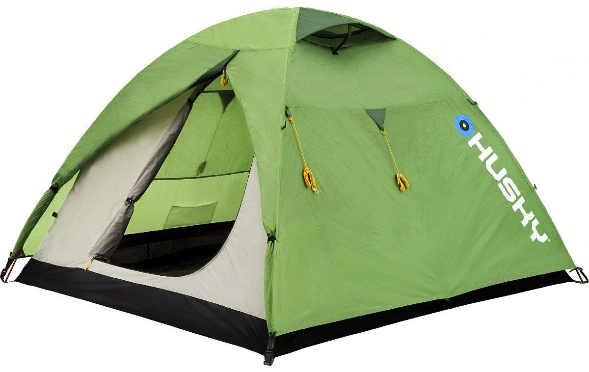 Палатка Husky Beast 3, цвет: светло-зеленыйУТ-000046852Палатка BEAST 3 двухслойная однокомнатная палатка с двумя входами и тамбурами с внутренним расположением дуг. Внутренняя палатка оснащена противомоскитной сеткой. Модель в серии Husky Extreme Lite, в которой основной приоритет сделан на привлекательном балансе между качеством и ценой. Стильный дизайн, непромокомаемые тент и дно, легкая установка благодаря внутреннему расположению алюминиевых дуг. Хорошее приобретение для велотуристов и путешественников. Аксессуары: алюминиевые колышки, ремкомплект, компрессионный мешок. Характеристики: Вместимость: 3 человека. Размер палатки в разложенном виде (ДхШхВ): 300 см х 190 см х 130 см. Размер спального места: 190 см х 210 см. Наружный тент: полиэстер RipStop 210Т с PU-покрытием, 5.000 мм/см2. Внутренняя палатка: водоотталкивающий нейлон 190Т. Дно: полиэстер 190Т с PU-покрытием, 8.000 мм/см2. Каркас:дуги из дюралюминиевого сплава диаметром 8,5 мм. Вес:3300 г. Размер в сложенном виде: 52 см х 18 см х 16 см. Изготовитель:Китай. Артикул: BEAST 3green.