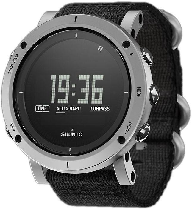 Часы спортивные Suunto Essential, цвет: черный, серыйSCH01-BlueЛюбое захватывающее приключение начинается в глубине души. Вы неустанно стремитесь открывать неизведанные места нашей планеты, переживать новые эмоции и покорять высочайшие вершины. Мы обретаем вдохновение в вашей огненной страсти. Устройства Suunto Essential производятся на заводе в Финляндии компанией, которая первой выпустила прецизионные инструменты для активного отдыха на открытом воздухе. Эта коллекция воплощает в себе нашу историю приключений. Suunto Essential Stone представляет собой образ технических достижений с опытом прошлого. Эти часы оснащаются первоклассным тканевым ремешком с классическим плетением «елочкой», разработанным специально для Suunto.Альтиметр: Барометр Компас Индикация второго часового пояса Время восхода/захода солнца Термометр Штормовое предупреждение Водонепроницаемость до 30 м / 100 фт Глубиномер для снорклинга Сменная батарея Меню на нескольких языках (английском, французском, немецком, испанском)КомплектацияSuunto Essential Copper, тканевый футляр, карандаш, протирочная ткань, полевой блокнот с кратким руководством