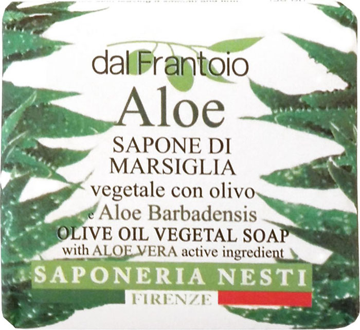 Nesti Dante Мыло Aloe Алоэ, 100 г26102025Состав моющей основы включает в себя только натуральные компоненты, известные своими ухаживающими свойствами. Экстракт алоэ обладает смягчающим и успокаивающим действием. Он проникает глубоко в кожу и придает ей нежность и бархатистость.