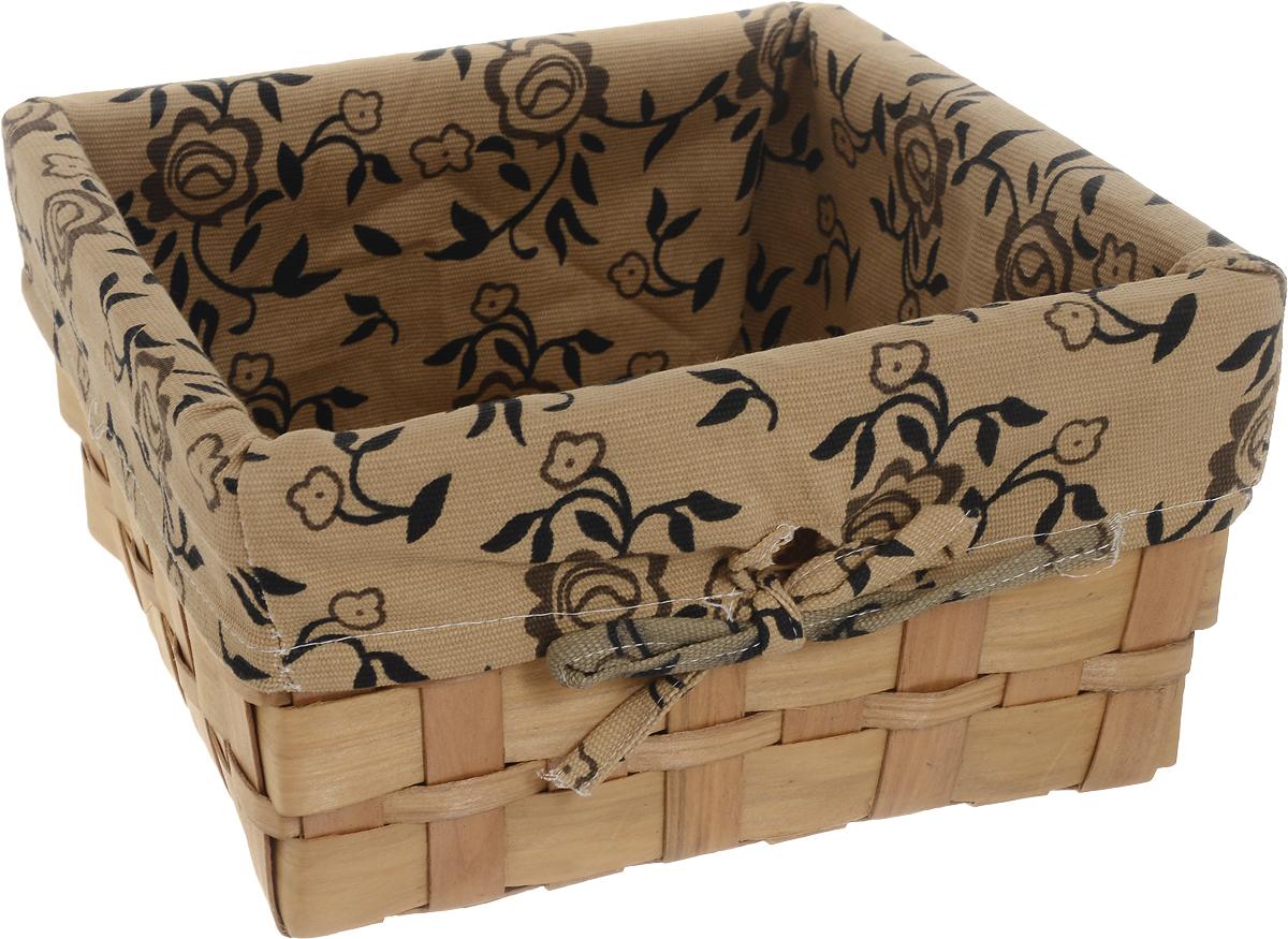 Корзина плетеная Miolla, 25 х 25 х 13 см. QL400449-M07PB030Вместительная плетеная корзина для хранения Miolla - отличное решение для хранения ваших вещей. Корзина выполнена из дерева и дополнена текстилем с цветочным принтом. Подходит для хранения бытовых вещей, аксессуаров для рукоделия и других вещей дома и на даче. Экономьте полезное пространство своего дома, уберите ненужные вещи в удобную корзину или используйте ее для хранения дорогих сердцу вещей, которые нужно сберечь в целости и сохранности.