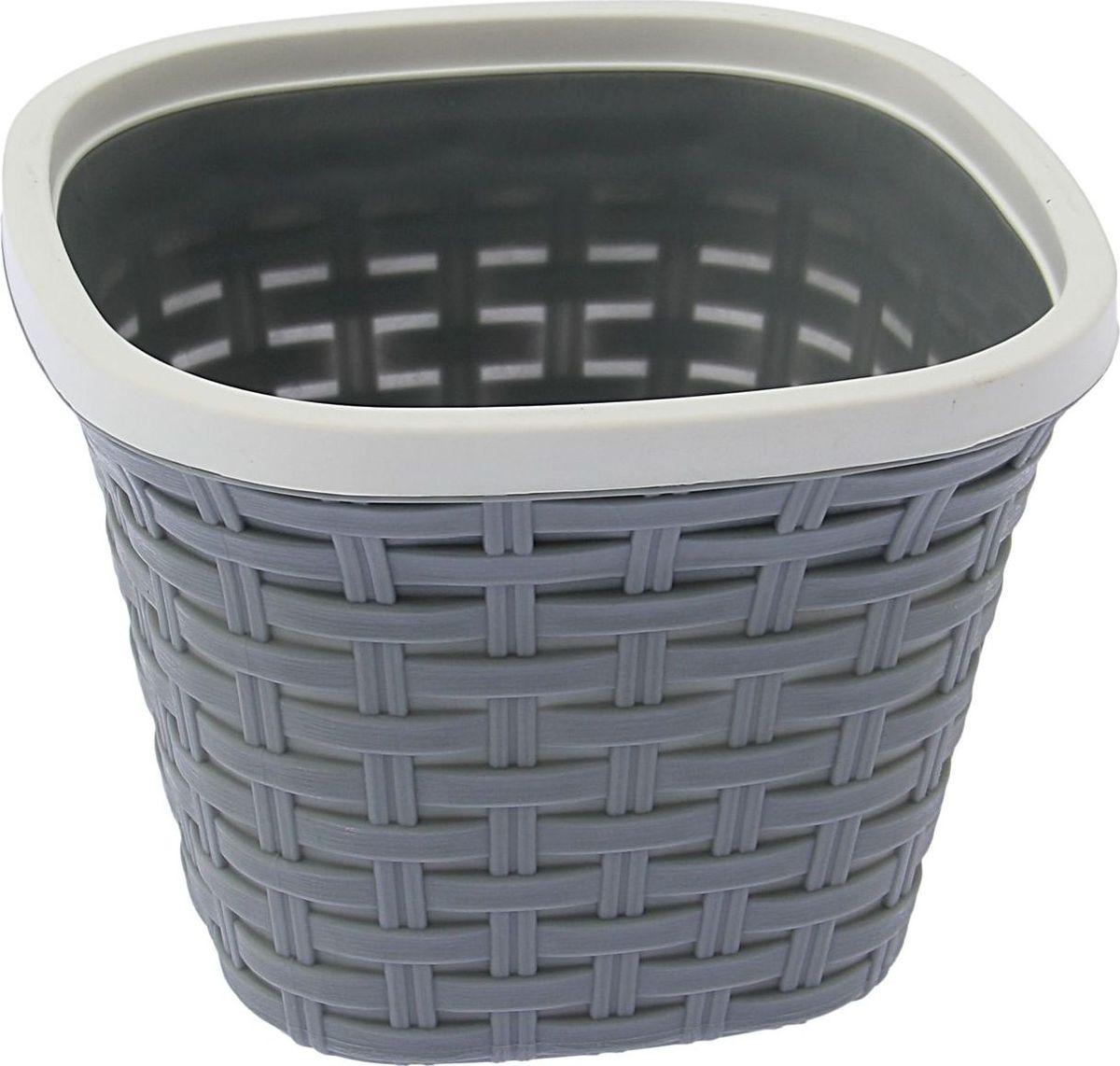 Кашпо квадратное Violet Ротанг, с дренажной системой, цвет: серый, 2,6 л531-102Квадратное кашпо Violet Ротанг изготовлено из высококачественного пластика и оснащено дренажной системой для быстрого отведения избытка воды при поливе. Изделие прекрасно подходит для выращивания растений и цветов в домашних условиях. Объем: 2,6 л.