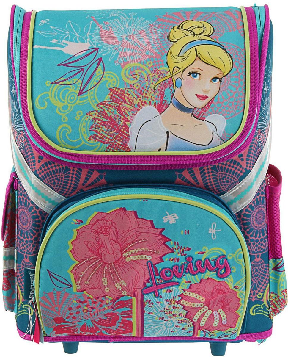 Disney Ранец школьный Принцесса цвет светло-бежевый бирюзовый72523WDРанец, или портфель, — это жёсткая ученическая сумка, которая является традиционным атрибутом школьного «снаряжения».Характеристики идеального современного ранца для школьника выглядят так:жёсткие корпус и спинка;регулируемые широкие мягкие лямки;наличие светоотражателей;масса — 600?800 г;мягкие подушечки на спинке и сетчатая, «дышащая» задняя сторона.Ранец стандарт раскладной Disney Принцесса 36*26*17 EVA-спинкой, для девочки, бирюза — это очень практичное и качественное текстильное изделие, которое отвечает всем перечисленным требованиям.Жёсткий корпус защитит ребёнка и содержимое: он не позволит книгам и учебникам «втыкаться» в спину и сбережёт ранец, если ученик его уронит. А смягчающие элементы (поролон и сетка) сделают процесс ношения этого изделия комфортным.