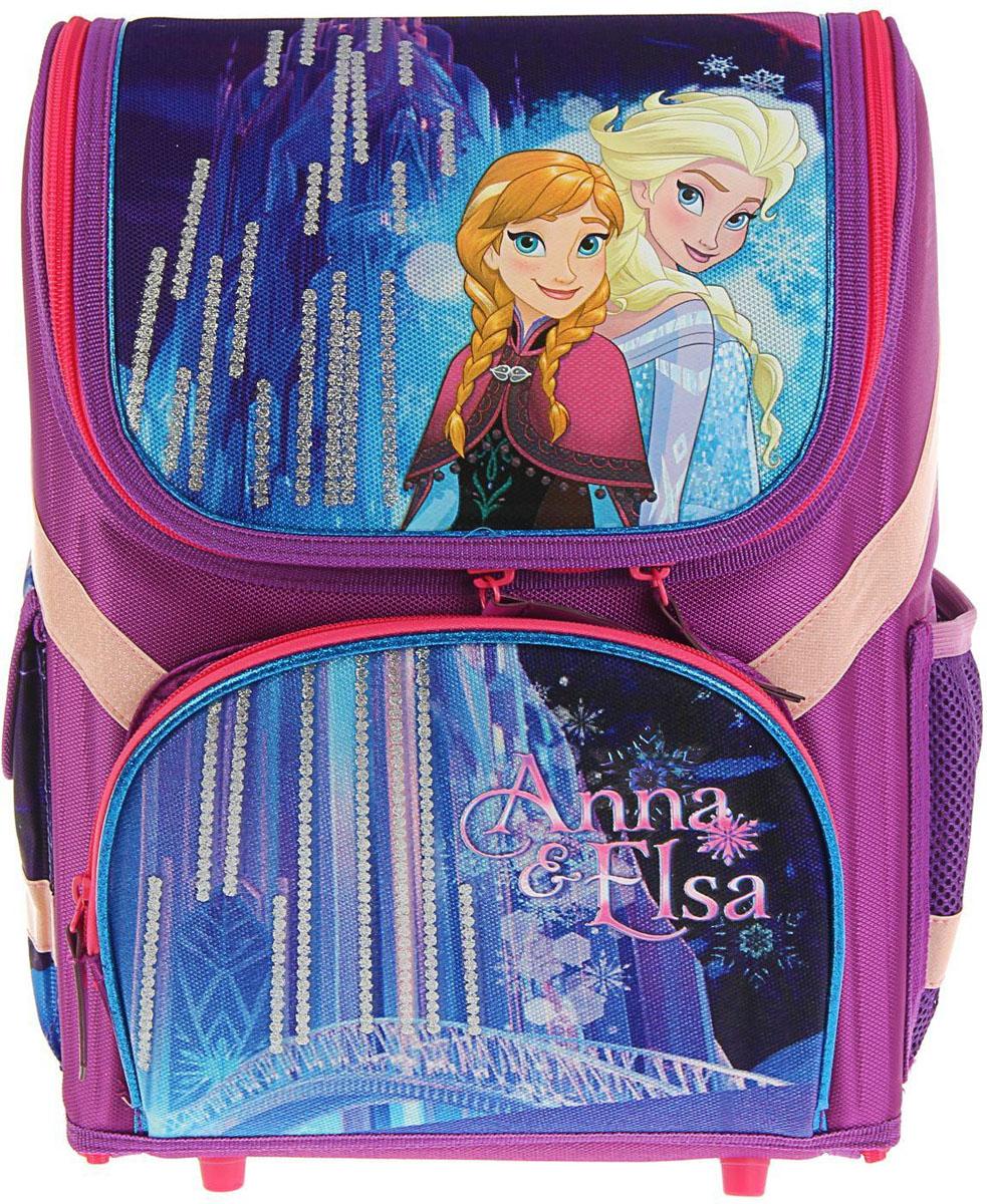 Disney Ранец школьный Frozen цвет оранжевый сиреневый72523WDРанец — это жёсткая ученическая сумка, которая является традиционным атрибутом школьного снаряжения.Характеристики идеального современного портфеля для ученика выглядят так:жёсткие корпус и спинка;регулируемые широкие мягкие лямки;наличие светоотражателей;мягкие подушечки на спинке и сетчатая, дышащая задняя сторона.Ранец Стандарт раскаладной Disney Frozen 36*26*17 EVA-спинка, для девочки — это очень практичное и качественное текстильное изделие, которое отвечает всем перечисленным требованиям.Жёсткий корпус защитит ребёнка и содержимое: он не позволит книгам и учебникам втыкаться в спину и сбережёт рюкзак, если ученик его уронит. А смягчающие элементы (поролон и сетка) сделают процесс ношения этого предмета комфортным.