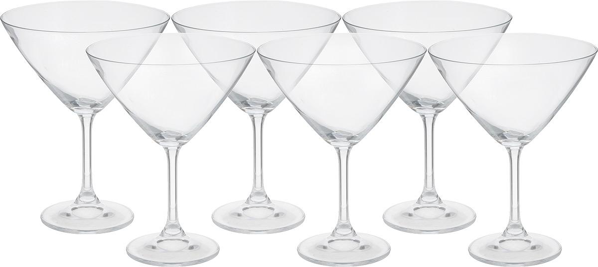 Набор бокалов для мартини Crystalite Bohemia Klara, 280 мл, 6 штVT-1520(SR)Набор Crystalite Bohemia Klara состоит из шести бокалов для мартини, выполненных из прочного натрий-кальций-силикатного стекла. Изделия оснащены высокими тонкими ножками, широким основанием и имеют уникальную форму, которая предназначена специально для подачи мартини. Бокалы кристально прозрачные, они излучают приятный блеск и издают мелодичный звон. Набор бокалов для мартини Crystalite Bohemia Klara прекрасно дополнит вашу барную коллекцию. Такой набор также станет хорошим подарком к любому случаю. Не использовать в посудомоечной машине и микроволновой печи. Диаметр бокала (по верхнему краю): 13 см. Высота бокала: 16,5 см. Диаметр основания: 7,5 см.