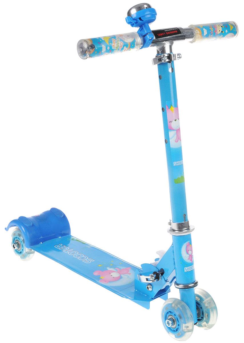 Самокат четырехколесный Veld-Co, со светящимися колесами, цвет: синий, белый, розовыйMHDR2G/AЯркий детский самокат Veld-Co станет отличным подарком ребенку! Он оснащен простой в использовании системой торможения с помощью заднего колеса (достаточно наступить на педаль тормоза, расположенную над задним колесом). На деке имеется яркая наклейка. Колеса оснащены светодиодами, загорающимися при езде. Руль имеет 3 положения. На руле расположен звонок, оповещающий прохожих о приближении ребенка.Благодаря прочным материалам самокат прослужит ребенку несколько лет, а его компактный размер позволит брать его с собой куда угодно. Самокат быстро и легко складывается и не требует особых мест для хранения.В комплект входит инструмент, сочетающий в себе шестигранник и крестовую отвертку.