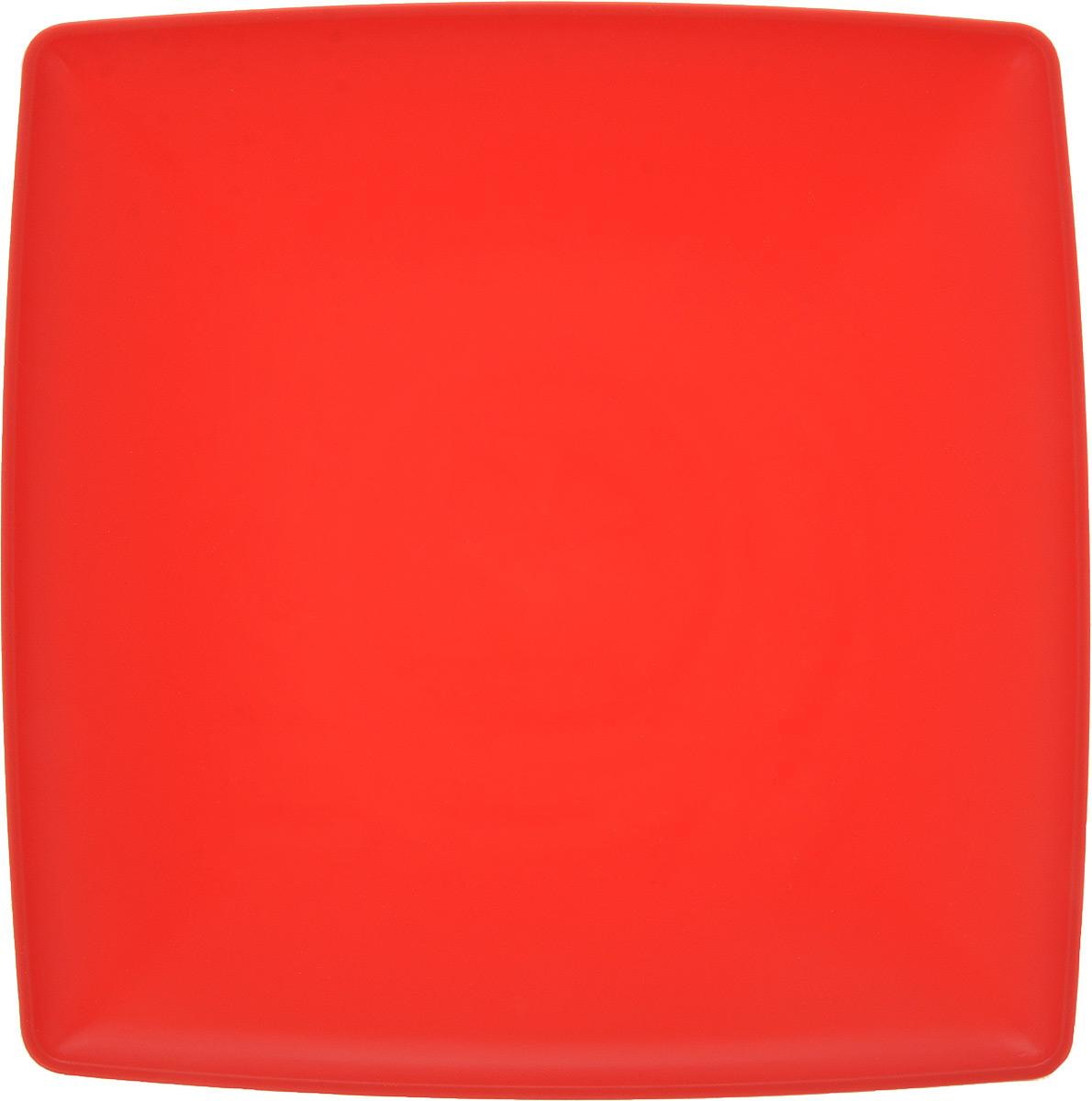 Тарелка Gotoff, цвет: красный, 19 х 19 см54 009312Квадратная тарелка Gotoff выполнена из прочного пищевого полипропилена. Изделие отлично подойдет как для холодных, так и для горячих блюд. Его удобно использовать дома или на даче, брать с собой на пикники и в поездки. Отличный вариант для детских праздников. Такая тарелка не разобьется и будет служить вам долгое время.Можно использовать в СВЧ, ставить в морозилку при температуре -25°С и мыть в посудомоечной машине при температуре +95°С.