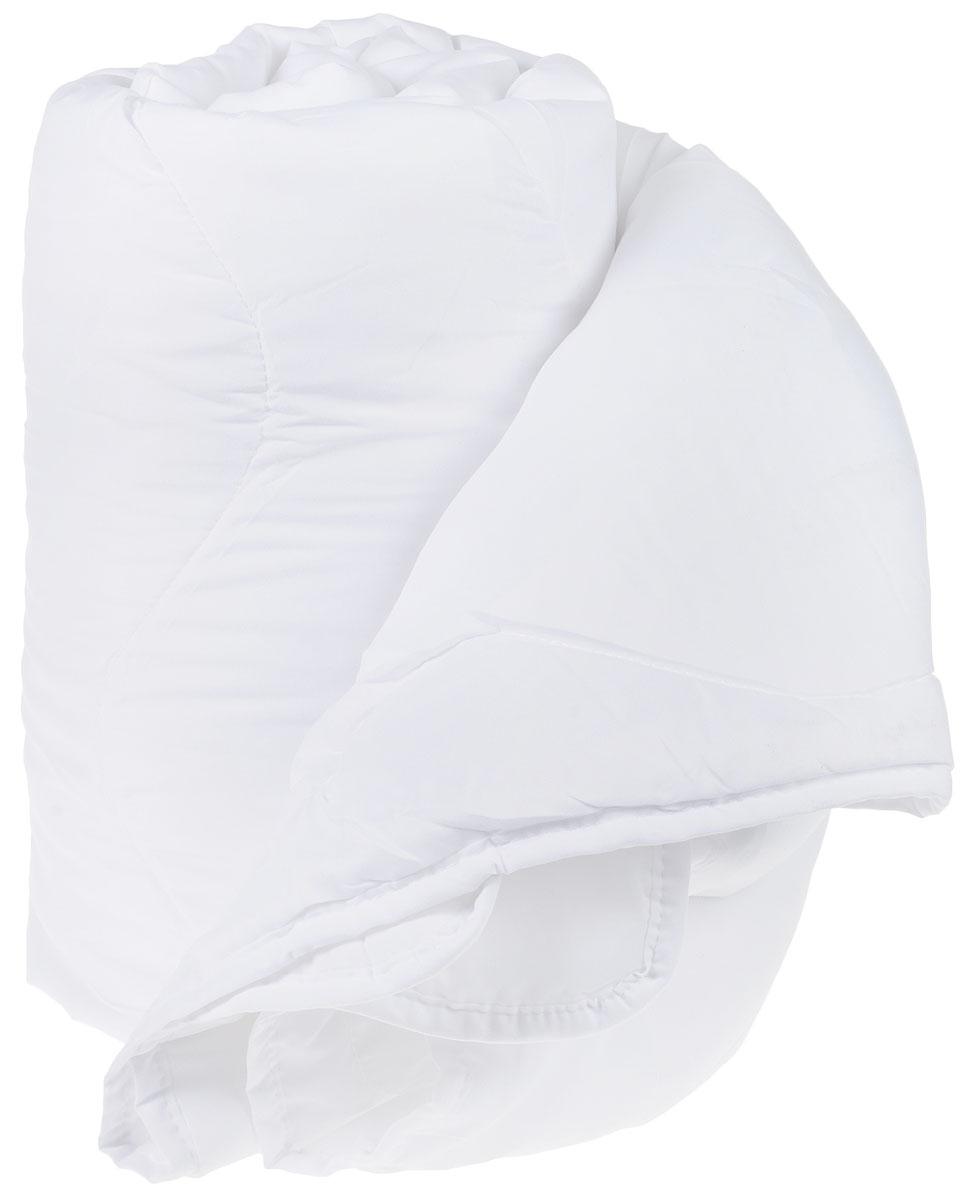Одеяло Торис Комфорт, наполнитель: микрофайбер, цвет: белый, 140 х 200 см531-103Наполнитель одеяла Торис Комфортвыполнен из микрофайбера. Это самый популярный материал для изготовления одеял и подушек. Это искусственное волокно, которое обладает высокой износоустойчивостью и прочностью, хорошо сохраняет форму , не мнется, гигроскопично. Одеяло теплое, очень легкое, обеспечивает достаточную циркуляцию воздуха, гиппоаллергенно. Отличный выбор, если вы страдаете аллергией.