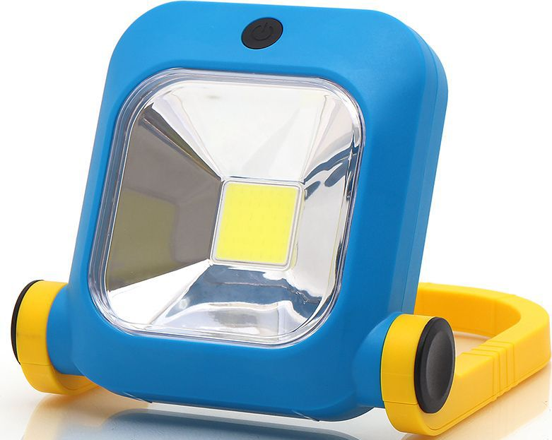 Фонарь-прожектор светодиодный DolleX, аккумуляторный, 1хCOB (8W)2012506200424Супер яркий фонарь-прожектор в ударопрочном корпусе из ABS-пластика.Источник света: супер яркий светодиод 8 W выполнен по технологии COB(Chip-On-Board) обеспечивает широкий и яркий луч света.Потребляет 3-5 раз меньше электроэнергии, чем любые другие источники освещения.Два режима яркости 350 люмен и 750 люмен. Цветовая температура 7800К. Аккумулятор Li-ion 2х1800mA 7,4V, type 18650. Время непрерывной работы 2 часа.Время заряда аккумулятора 5 часов. В комплекте адаптер для зарядки от автомобильного прикуривателя и зарядное устройство от сети 220V. Встроенная защита от перезаряда и полного разряда. Регулируемый угол наклона.Оснащен удобной ручкой для переноски.Идеально подходит для освещения открытого пространства, в гараже, на улице, на даче. Размер фонаря в сложенном виде: 230 х 193 х 63 мм.