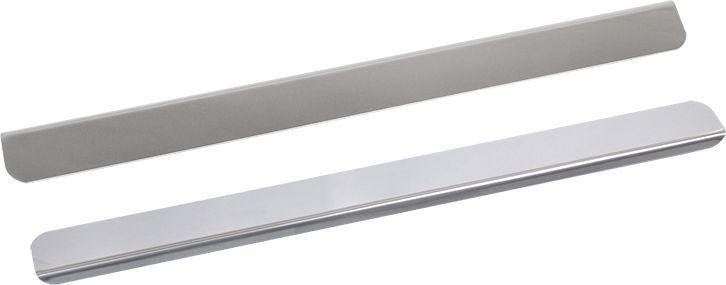 Накладки для порогов DolleX, для Mercedes-Benz Vito, 2 штNPS-026Накладки для порогов DolleX придают автомобилю стильный и неповторимый вид, эффективно защищают пороги от повреждения лакокрасочного покрытия.Отличительные особенности:- Изготовлены из полированной нержавеющей стали,- Толщина стали 0,5 мм,- Стильный внешний вид,- Легкая и быстрая установка,- Крепление лента липкая двухсторонняя.В комплект входят 2 накладки.Предназначены специально для Mercedes-Benz Vito.Размеры: 45 х 4,6 см - 2 шт.