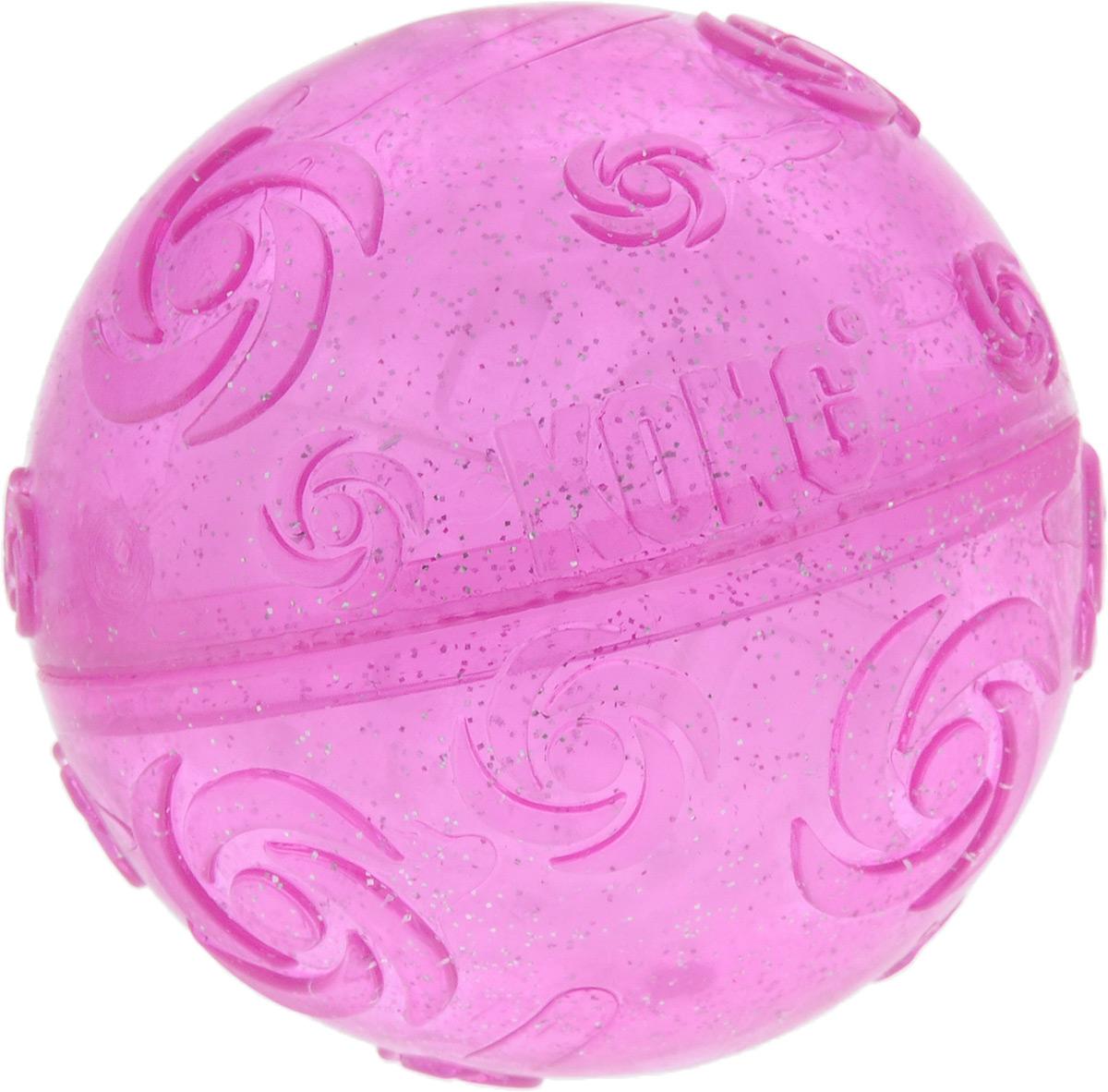 Игрушка для собак Kong Squezz Crackle, хрустящий мячик, цвет: сиреневый, диаметр 7 см1081STEXИгрушка для собак Kong Squezz Crackle, выполненная из пластичного материала, создает при сдавливании особый, привлекательный для собак трескучий звук. Идеально подходит как для спокойных игр, так и для игр в апорт в помещениях или на открытом воздухе. Игрушка имеет яркую окраску и отличается привлекательным блеском. Такая игрушка доставит огромную радость собакам и их заботливым владельцам. Диаметр: 7 см.