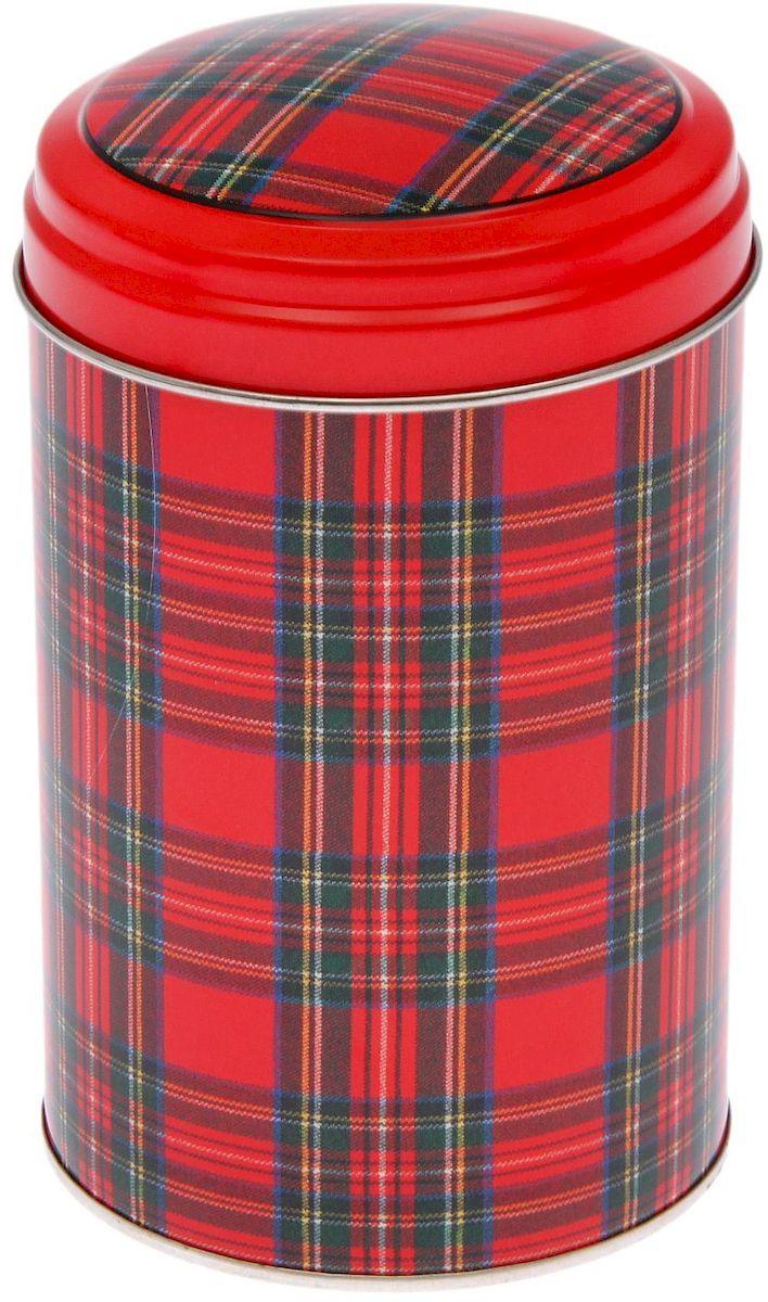Банка для сыпучих продуктов Рязанская фабрика жестяной упаковки Шотландка, 1,1 лSC-FD421005Металлическая банка - лучший способ сохранить крупы и травы, чай и кофе в наилучшем состоянии.- Изделия от Рязанской фабрики жестяной упаковки радуют потребителей уже долгие годы. Чем хороша именно эта банка?- Плотная крышка предохраняет содержимое от высыпания.- Защита от солнечного света продлевает срок годности продуктов.- Яркий дизайн добавит свежую нотку в оформление кухни.- Банка может быть использована для хранения мелких хозяйственных предметов.Наводите порядок на кухне со вкусом!