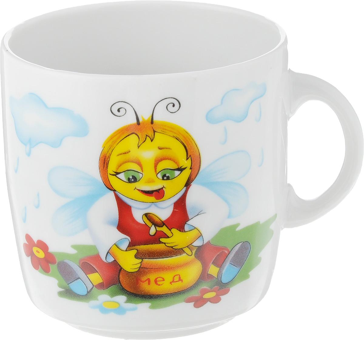 Кружка Фарфор Вербилок Микс. Фикс Прайс. Пчела и мед, 210 мл115510Кружка Фарфор Вербилок Микс. Фикс Прайс. Пчела и мед выполнена из высококачественного фарфора с глазурованным покрытием и оформлена оригинальным детским рисунком. Посуда из фарфора позволяет сохранить истинный вкус напитка, а также помогает ему дольше оставаться теплым. Изделие оснащено удобной ручкой. Такая кружка прекрасно оформит стол к чаепитию и станет его неизменным атрибутом.Диаметр кружки (по верхнему краю): 7 см.Высота чашки: 7 см.