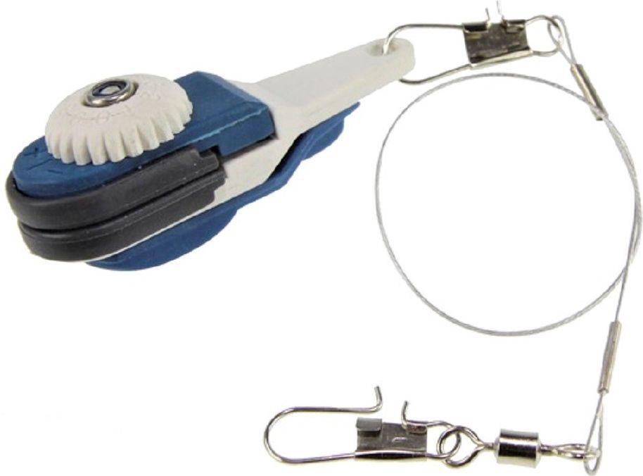 Клипса Blind Depth Release, цвет: синий, черный, серый. BLD-12005578-Glove-4-MКлипса Blind DEPTH RELEASE - предмет, который служит для освобождения лески в момент поклевки. Предотвращает вероятность отстрела оснастки при забросе. Клипса отлично ограничивает дальность заброса снасти. Выполнена клипса из легкого и прочного материала. Клипса легко устанавливается. После заброса на необходимую дальность, осуществляется натяжка резинки вокруг шпули, а на последнем обороте резинка цепляется с помощью клипсы.
