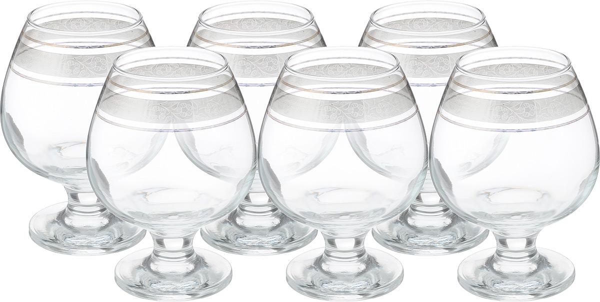 Набор бокалов для бренди Гусь Хрустальный Флорис, 400 мл, 6 штVT-1520(SR)Набор Гусь-Хрустальный Версаче состоит из 6 бокалов, изготовленных из высококачественного натрий-кальций-силикатного стекла. Изделия оформлены красивым зеркальным покрытием и широкой окантовкой с оригинальным узором. Бокалы предназначены для подачи бренди. Такой набор прекрасно дополнит праздничный стол и станет желанным подарком в любом доме. Разрешается мыть в посудомоечной машине. Диаметр бокала (по верхнему краю): 5,5 см. Высота бокала: 12,5 см. Диаметр основания бокала: 6,5 см.