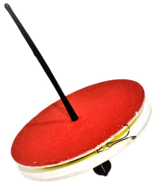 Кружок рыболовный Аляска, оснащенный59582Рыболовный кружок - готовая к использованию снасть. Используется при ловле хищника на живца. Так же, снасть называют летней жерлицей.Характеристики:Диаметр кружка - 150ммТолщина кружка - 20ммЛеска: 15м Диаметр: 0,35-0,45Поводок: 1х7 в оплетке 25смГруз скользящий: 10гКрючок - двойник размер #2