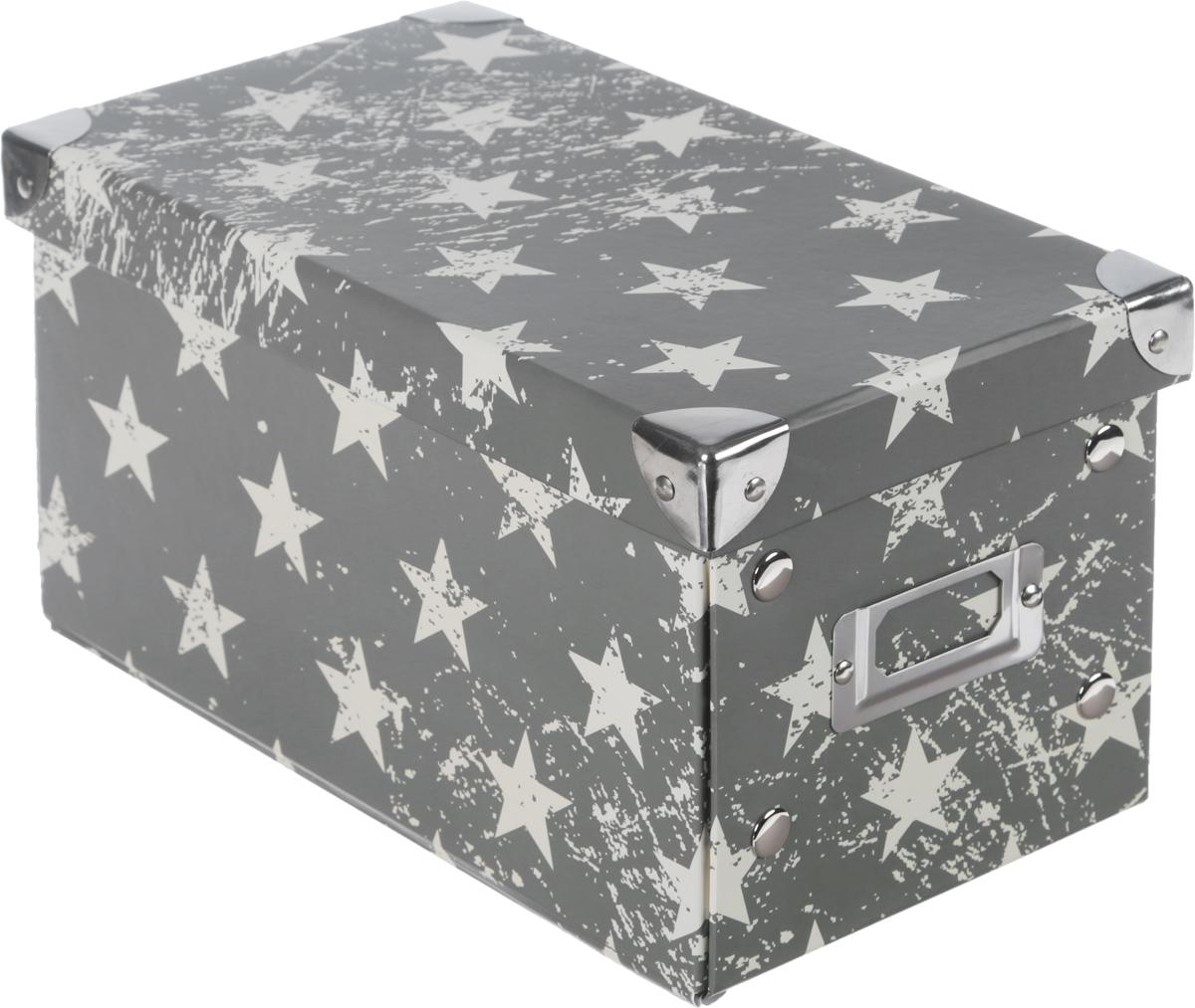 Коробка для хранения, складная, цвет: хаки, бежевый, 15,5 х 27 х 374-0120Коробкадля хранения изготовлена из высококачественного плотного картонаи оформлена оригинальным принтом. Она предназначена для хранения различных мелочей. Изделие легко собирается с помощью металлических креплений и не занимает много места. Такая коробка для хранения идеальное решение для аккуратного хранения различных ниток, канцелярских товаров.Размер коробки (в собранном виде): 15,5 х 27 х 3 см.