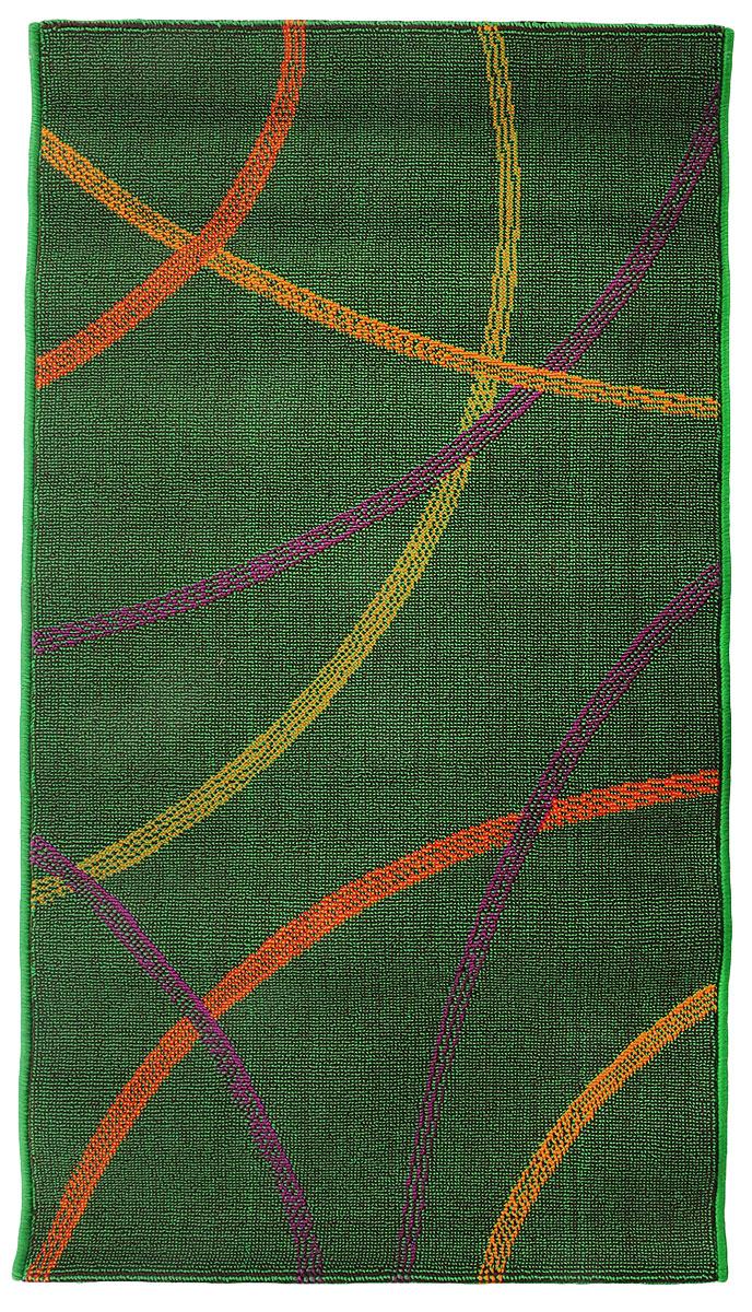 Коврик прикроватный Oriental Weavers Дaззл, цвет: зеленый, 67 х 120 см. 15035531-105Яркая циновка с мягким и упругим ворсом - неповторимый элемент для гостиных и детских комнат. Оригинальный ковер от известной египетской фабрики Oriental Weavers подойдет для современных и классических интерьеров.