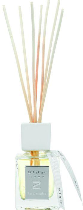 Диффузор ароматический Millefiori Milano Zona Мускус / Fior Di Muschio, 100 мл41MDFMАроматический диффузор Millefiori Milano Zona наполнит ваш дом неповторимым ароматом. Ароматизатор произведен из натуральных компонентов и является образцом качественного и безопасного продукта для дома. Ароматический диффузор с палочками - это простое, изящное и долговременное решение, как наполнить дом или офис приятным запахом. Просто поместите ротанговые палочки в емкость с ароматической жидкостью. Степень интенсивности запаха может регулироваться объемом ароматической жидкости и количеством палочек. Диффузор - это не просто освежитель воздуха, а элемент декора, который окутает вас своим приятным и нежным ароматом.Описание ароматической композиции: цветочные ноты розы и зеленого мандарина, украшенного янтарными семенами.Базовые ноты: Сладкий апельсин, Дамасская роза, Кипарис, Зеленый мандарин, Литсея Кубеба.Средние ноты: Анис, Иланг-Иланг с Коморских Островов, Листья кедра, шалфея, мускатного шалфея, Лилия.Верхние ноты: Янтарные семена, Американский кедр. Товар сертифицирован.