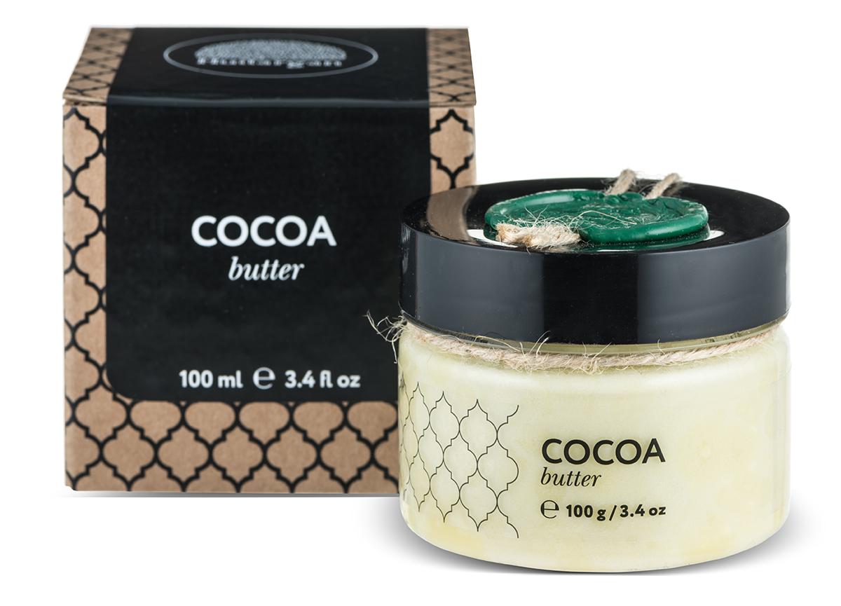 Huilargan Какао масло, баттер 100 г66-Ф-24Какао-масло - это базовое масло, получаемый из зерен плодов шоколадного дерева. Это сбалансированный натуральный продукт, оказывающий лечебное действие на весь организм. Его главная отличительная черта заключается в содержании антиоксидантных веществ, способных стимулировать иммунную систему. Большая концентрация олеиновой кислоты позволяет восстанавливать утраченные функции стенок сосудов, повышает их эластичность, уменьшает количество холестерина и полностью очищает кровь, а также нормализует барьерные функции эпидермиса кожи. Масло какао содержит пальминтовую кислоту, что позволяет ему проявлять липофильные свойства, усиливать глубокое проникновение полезных веществ. Токоферолы натуральный витамин F, обладают свойствами увлажнения, повышают выработку коллагена.МАСЛО КАКАО ПРИМЕНЕНИЕОно способно сокращать трансэпидермальную потерю влаги (ТЭПВ), покрывать кожу защитной водонепроницаемой пленкой и удерживать влагу в эпидермисе, поэтому особенно полезно его применять при сухой, обветренной, дряблой и стареющей коже.• Оно входит в состав косметических средств для ухода за кожей лица и шеи, декольте, губами, руками.• Масло какао способно регенерировать клетки кожи.• Масло какао обладает защитными свойствами, поэтому может применяться для защиты кожи во время низких температур зимой.• Масло какао обладает высоким смягчающим действием, а также является лубрикантом, усиливая скользящий эффект масел при нанесении их на кожу.• Масло какао, за счет содержания кофеина, применяется для профилактики растяжек кожи и повышения ее упругости.• Масло какао способно усиливать выработку загара, поэтому его можно добавлять в лосьоны для загара