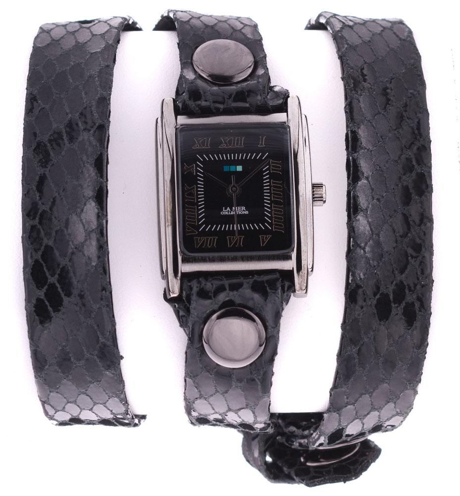 Наручные часы женские La Mer Collections Simple Black Snake, цвет: черный. LMSTW7001xBM8434-58AEГлавный козырь часов La Mer Collections - длинные кожаные ремешки-браслеты, которые изготавливаются вручную в мастерской дизайнера Мартины Иланы в Калифорнии, США. Это новый тип аксессуара, в котором безупречно сочетается игривость бижутерии и строгость часовой классики.