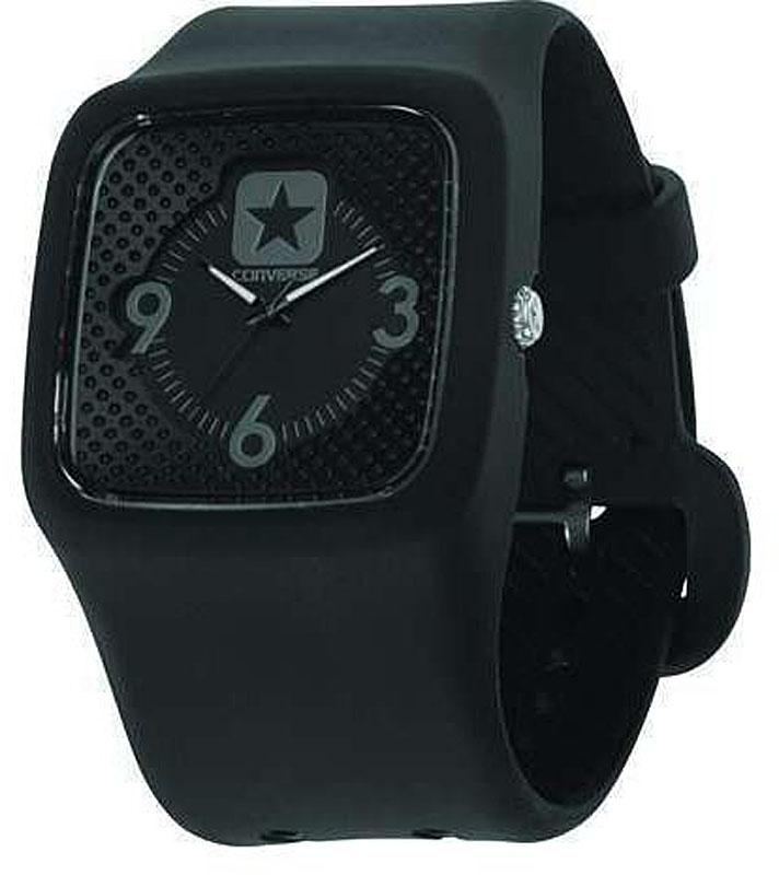 Часы наручные Converse Clocked Perfed, цвет: черный. VR030-0051067A3L4Часы Converse - яркие, динамичные, неформальные - в полной мере отражают дух бренда, который мы так хорошо знаем по легендарным кедам. Часы оснащены широким гибким ремешком из силикона. Крупный круглый циферблат оформлен арабскими цифрами и отметками. Стрелки покрыты люминесцентной краской. Кварцевые часы выполнены с плоским стеклом, устойчивым к царапинам и бесшумным механизмом. Часы Converse отлично подойдут как мужчинам, так и женщинам.