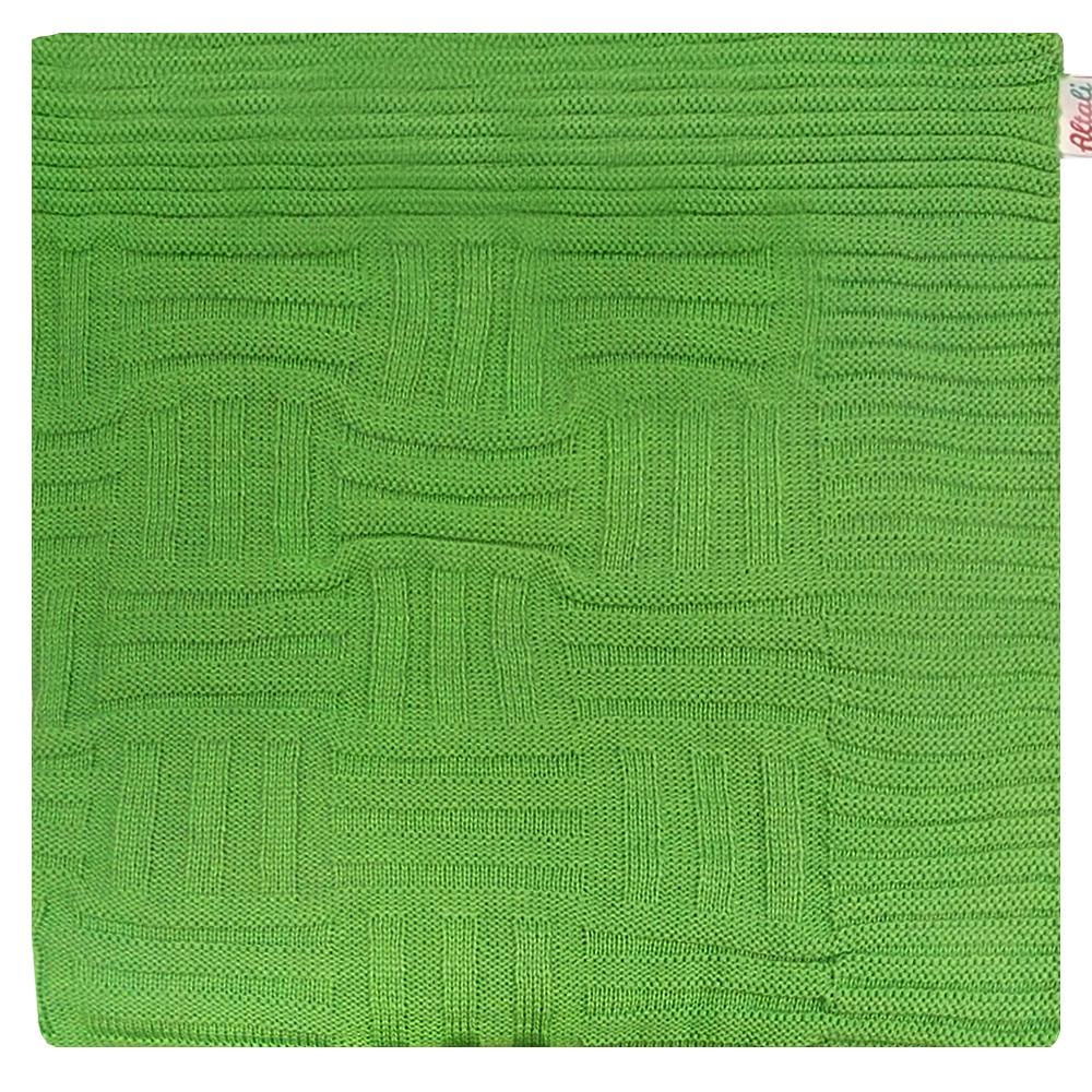 Плед Apolena Лесной уголок Quadro, 130 х 180 см87-V362/1Вязаный плед пригодится в любое время года. Плед выполнен из мягкой объемной пряжи с модным рисунком квадраты. Удобство, комфорт, стиль и экологичность в одном предмете.
