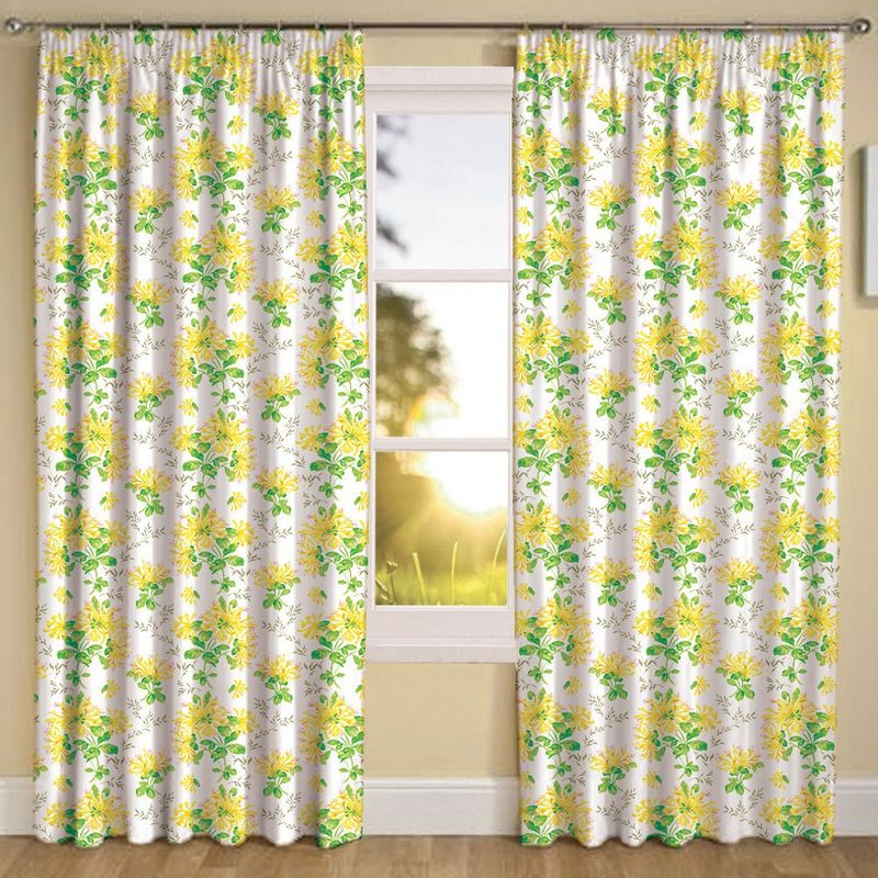 Штора Altali Yellow flowers, на ленте, высота 270 смP708-7661/1Штора с рисунком, выполненная из инновационной ткани - микроволокно, имеет плюшевую бархатистую поверхность. За счет небольшого ворса (так называемый эффект персика), ткань выглядит объемной и очень мягкой. Уникальным свойством ткани является поглощение пыли, которая не оседает на поверхности, а проникает внутрь капиллярной структуры полотна. При задергивании штор, пыль не летит во все стороны и впоследствии легко удаляется при стирке. Оригинальный дизайн шторы прекрасно сочетается с другими изделиями из одноименного интерьерного решения. Штора крепится к карнизу при помощи шторной ленты. Вы можете самостоятельно подобрать наиболее предпочтительный вид крючков - для потолочного или стенового карниза. При желании вы можете присборить штору с помощью лески, предварительно закрепив ее концы с обеих сторон.