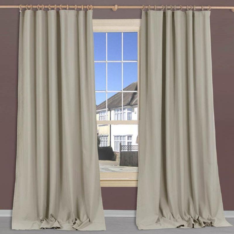 Штора Apolena Металлик, на ленте, высота 270 см106-026Легкая штора из микрофибры имеет насыщенный цвет и плотную структуру. Полотно рассеивает солнечный свет на 30-60% в зависимости от цвета ткани. Чем темнее цвет, тем выше коэффициент поглощения солнечных лучей. Штора идеально подходит для детской или молодежной комнаты, а также для гостиной с в стиле Loft, Pop art или Модерн. Уникальным свойством ткани является поглощение пыли, которая не оседает на поверхности, а проникает внутрь капиллярной структуры полотна. При задергивании штор, пыль не летит во все стороны и впоследствии легко удаляется при стирке. Стойкий глубокий цвет полотна прекрасно сочетается с аксессуарами из разных коллекций, как в виде компаньона, так и в качестве самостоятельного акцентного элемента интерьера. Шторная лента позволяет крепить штору на классический карниз и на крючки с кольцами. При желании вы можете присборить штору с помощью лески, предварительно закрепив ее концы с обеих сторон.