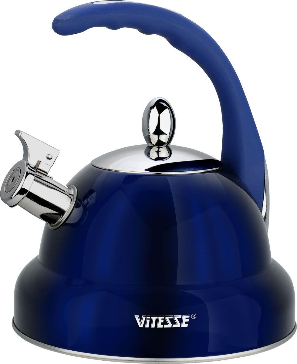 Чайник Vitesse, со свистком, цвет: синий, 3 л. VS-1117VS-1117-blueЧайник Vitesse изготовлен из высококачественной нержавеющей стали 18/10. Внешнее цветное термостойкое покрытие корпуса придает изделию безупречный внешний вид. Многослойное капсулированное термоаккумулирующее дно позволяет чайнику нагреваться быстрее и дольше сохранять тепло. Изделие оснащено бакелитовой ручкой эргономичной формы с покрытием Soft-Touch, также имеет откидной свисток, громко оповещающий о закипании воды. Можно использовать на газовых, электрических, стеклокерамических, галогенных, индукционных плитах. Можно мыть в посудомоечной машине.Диаметр (по верхнему краю): 10 см.Диаметр основания: 22 см.Высота чайника (без учета ручки и крышки): 13 см.Высота чайника (с учетом ручки и крышки): 26 см.Диаметр индукционного диска: 17,5 см.