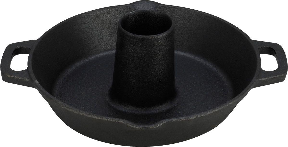 Жаровня для курицы Vitesse, с прихватками. Диаметр 30 см115510Жаровня Vitesse, изготовленная из высококачественного чугуна с антикоррозионным покрытием, предназначена для запекания курицы. Чугун - это высокопрочный и теплоемкий материал, который обеспечивает равномерное распределение тепла. Чугун медленно остывает и быстро нагревается (выдерживает температуру до 600°С), что делает возможным использовать чугунные изделия в духовом шкафу и на открытом огне. Пища, приготовленная в чугунной посуде, сохраняет свои вкусовые качества, и благодаря экологической чистоте материала, не может нанести вред здоровью человека. Жаровня имеет специальную конструкцию, позволяющую вкусно и без особых усилий приготовить курицу. Небольшое отверстие посередине можно заполнить красным вином, ароматическими маслами и специями, соусами или зеленью, и птица изнутри наполнится потрясающим ароматом. Такая конструкция позволяет готовить два блюда одновременно (например, птицу и овощи). Удобные ручки-приливы позволяют надежно удерживать жаровню. Специальные носики для слива с двух сторон жаровни помогут без труда слить соусы и подливки, не пролив ни капли. В комплект к жаровне прилагаются две варежки-прихватки. Подходит для использования на всех видах кухонных плит, включая индукционные. Изделие можно мыть в посудомоечной машине. Характеристики:Материал: чугун, текстиль. Диаметр (без учета ручек):30 см. Длина (с учетом ручек):34 см. Высота стенок: 5 см. Толщина стенок: 0,5 см. Диаметр центрального отверстия: 6,5 см. Высота центрального отверстия: 9 см. Размер прихватки:25 см х 17 см. Размер упаковки:32 см х 31 см х 10,5 см.Изготовитель:Китай. Артикул: VS-2323.