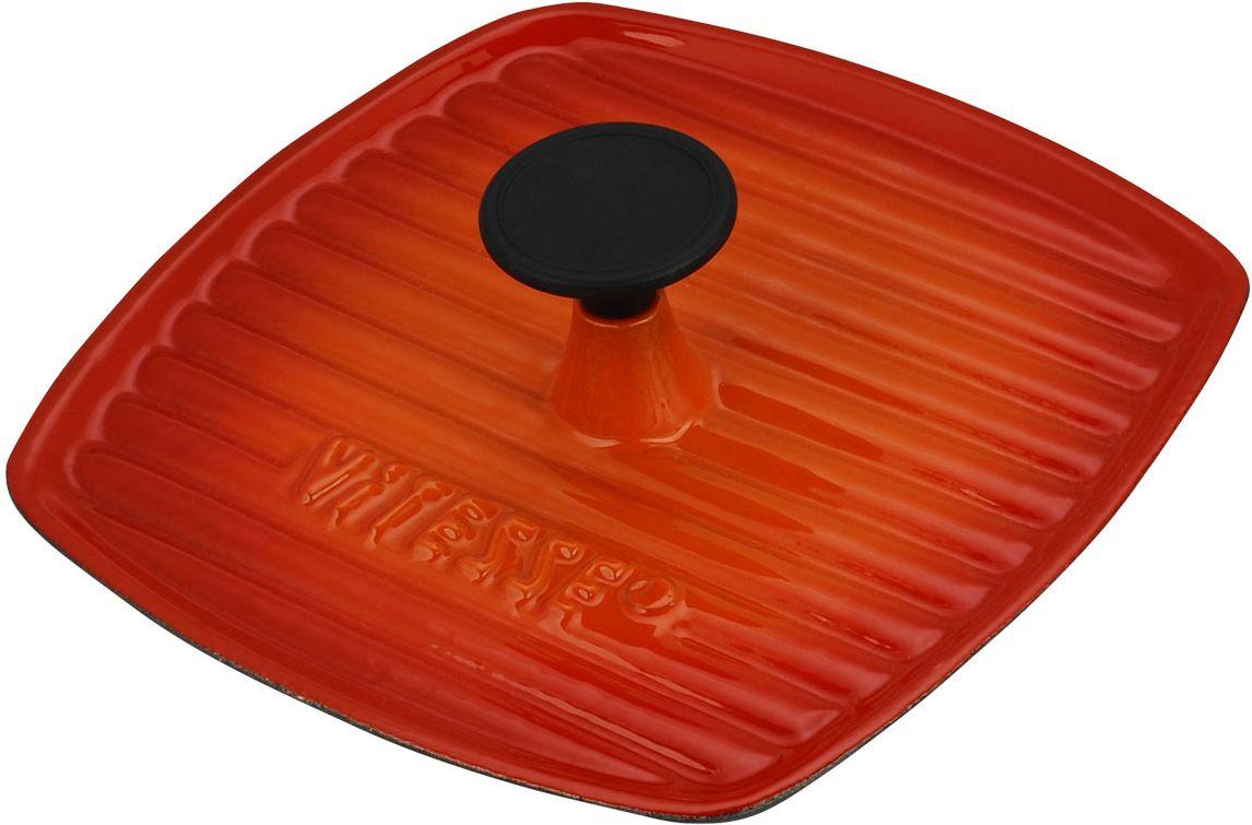 Гриль-пресс Vitesse Ferro, цвет: оранжевый, 23 см х 23 см + ПОДАРОК: Кухонная рукавица, 1 штFS-91909Гриль-пресс Vitesse Ferro изготовлен из чугуна с эмалированной внешней поверхностью. Чугун является наилучшим материалом, который долго удерживает и равномерно распределяет тепло. Благодаря особым качествам эмали, чем дольше вы используете посуду, тем лучше становятся ее эксплуатационные характеристики. Чугун обладает высокой прочностью, износоустойчивостью и антикоррозийными свойствами. Гриль-пресс используется в качестве крышки-пресса для быстрой и качественной прожарки блюд. Внутренняя сторона гриль-пресса имеет рифленую поверхность, что создает на блюдах аппетитную корочку. Ручка выполнена из бакелита.В подарок: - кухонная рукавица.Подходит для мытья в посудомоечной машине и использования в духовом шкафу. Характеристики: Материал: чугун, бакелит. Цвет: оранжевый, черный. Размер гриль-пресса: 23 см х 23 см. Толщина стенки: 3,5 мм.