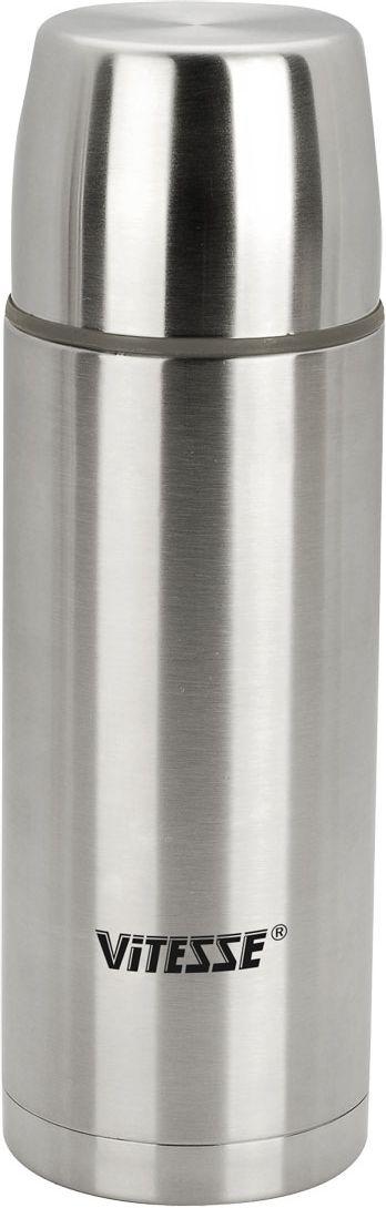 Термос Vitesse, 1 л. VS-8305115510Термос Vitesse выполнен из высококачественной нержавеющей стали. Термос имеет вакуумную изоляцию, которая на сегодняшний день является самым эффективным способом сохранения напитков как горячими, так и холодными. Вы сможете приготовить чай и кофе непосредственно в термосе. Легкий и удобный он станет незаменимым спутником в ваших поездках. Термос оснащен крышкой-чашкой. Пробка легко фиксируется. Термос можно мыть в посудомоечной машине. Характеристики:Материал:нержавеющая сталь, пластик.Высота термоса:27,5 см.Диаметр основания термоса:9 см. Диаметр чашки по верхнему краю:8 см. Высота чашки:5 см. Объем термоса:1 л. Размер упаковки:28,5 см х 9,5 см х 9,5 см.Артикул:VS-8305.Кухонная посуда марки Vitesseиз нержавеющей стали 18/10 предоставит Вам все необходимое для получения удовольствия от приготовления пищи и принесет радость от его результатов. Посуда Vitesse обладает выдающимися функциональными свойствами. Легкие в уходе кастрюли и сковородки имеют плотно закрывающиеся крышки, которые дают возможность готовить с малым количеством воды и экономией энергии, и идеально подходят для всех видов плит: газовых, электрических, стеклокерамических и индукционных. Конструкция дна посуды гарантирует быстрое поглощение тепла, его равномерное распределение и сохранение. Великолепно отполированная поверхность, а также многочисленные конструктивные новшества, заложенные во все изделия Vitesse, позволит Вам открыть новые горизонты приготовления уже знакомых блюд. Для производства посуды Vitesseиспользуются только высококачественные материалы, которые соответствуют международным стандартам.