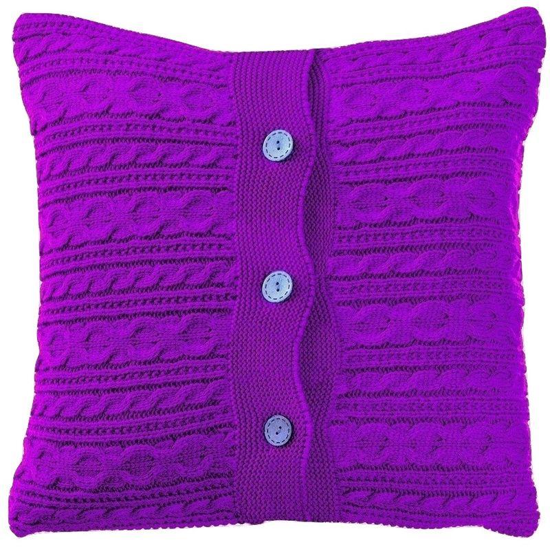 Наволочка декоративная Altali Лаванда, 43 х 43 смES-414Вязаная подушка в доме - признак уюта и стиля. В отличие от тканевой подушки вязаные изделия более эластичные и структурные. Рисунок вязки гармонично впишется в любой интерьер. Чехол съемный, на пуговицах. Его можно стирать в деликатном режиме, сушить на горизонтальной поверхности.