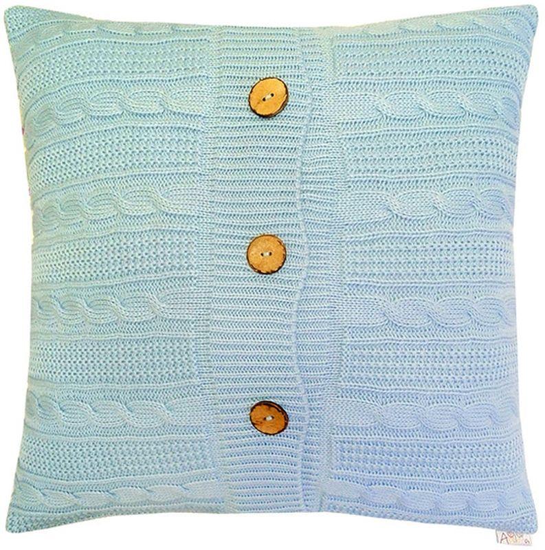 Наволочка декоративная Altali Light Blue, 43 х 43 смPANTERA SPX-2RSВязаная подушка в доме - признак уюта и стиля. В отличие от тканевой подушки вязаные изделия более эластичные и структурные. Рисунок вязки гармонично впишется в любой интерьер. Чехол съемный, на пуговицах. Его можно стирать в деликатном режиме, сушить на горизонтальной поверхности.