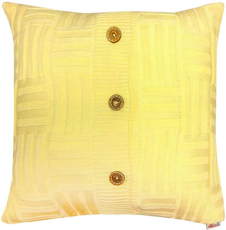 Наволочка декоративная Altali Light Yellow Quadro, 43 х 43 смPR-2WВязаная подушка в доме - признак уюта и стиля. В отличие от тканевой подушки вязаные изделия более эластичные и структурные. Рисунок вязки гармонично впишется в любой интерьер. Чехол съемный, на пуговицах. Его можно стирать в деликатном режиме, сушить на горизонтальной поверхности.