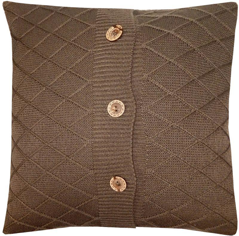 Наволочка декоративная Altali Mokko Rhomb, 43 х 43 смES-412Вязаная подушка в доме - признак уюта и стиля. В отличие от тканевой подушки вязаные изделия более эластичные и структурные. Рисунок вязки гармонично впишется в любой интерьер. Чехол съемный, на пуговицах. Его можно стирать в деликатном режиме, сушить на горизонтальной поверхности.
