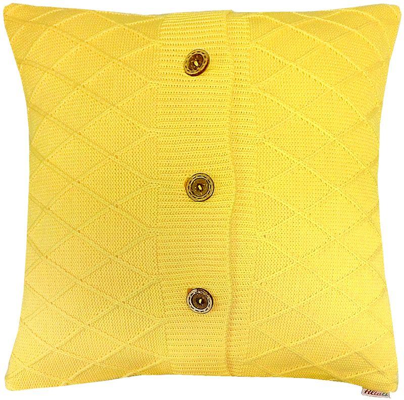 Наволочка декоративная Altali Yellow Rhomb, 45 х 45 см02-V436/1Наволочка декоративная Altali выполнена из акрила. Вязаная подушка в доме - признак уюта и стиля. В отличие от тканевой подушки вязаные изделия более эластичные и структурные. Рисунок вязки гармонично впишется в любой интерьер. Чехол съемный, на пуговицах. Его можно стирать в деликатном режиме, сушить на горизонтальной поверхности.