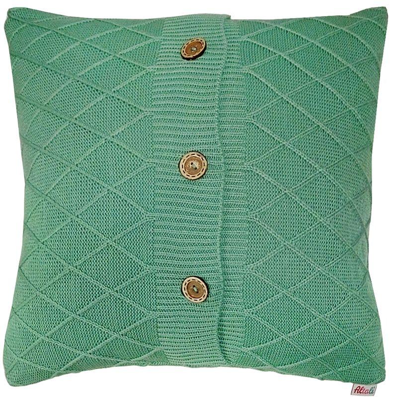 Наволочка декоративная Altali Mint Rhomb, 43 х 43 см531-105Вязаная подушка в доме - признак уюта и стиля. В отличие от тканевой подушки вязаные изделия более эластичные и структурные. Рисунок вязки гармонично впишется в любой интерьер. Чехол съемный, на пуговицах. Его можно стирать в деликатном режиме, сушить на горизонтальной поверхности.