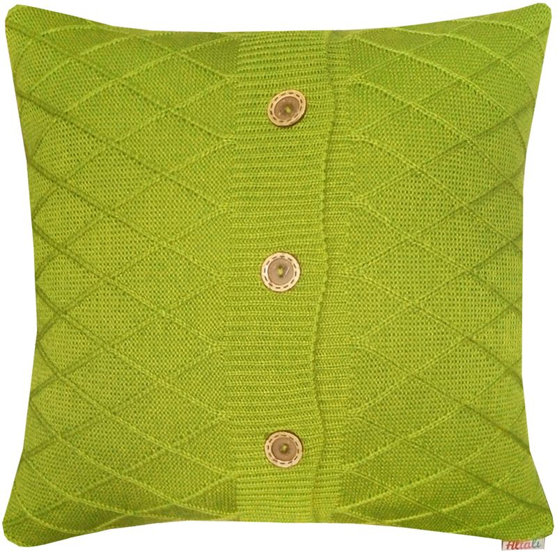 Наволочка декоративная Altali Olive Rhomb, 43 х 43 см531-105Вязаная подушка в доме - признак уюта и стиля. В отличие от тканевой подушки вязаные изделия более эластичные и структурные. Рисунок вязки гармонично впишется в любой интерьер. Чехол съемный, на пуговицах. Его можно стирать в деликатном режиме, сушить на горизонтальной поверхности.