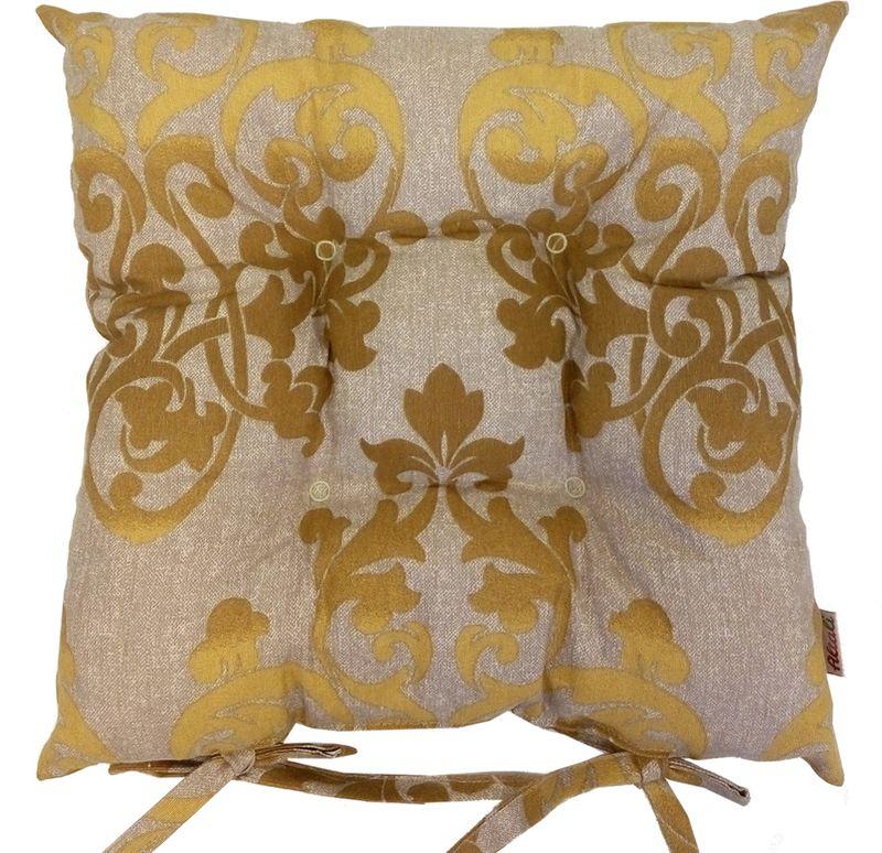 Подушка на стул Altali Golden, 41 х 41 смFD 992Подушка на стул является универсальным предметом домашнего интерьера. Используйте ее для удобства и гармоничного оформления кухонной зоны- на обеденных или барных стульях. Для концептуального декора столовой группы постелите скатерть, салфетки и дорожки на стол из одноименной коллекции. Эффектно будет смотреться парное сочетание подушек с принтом и однотонных компаньонов. В других помещениях подушки можно разместить на широком подоконнике, на полу, в игровой зоне или использовать для комфортного отдыха небольших домашних животных. Чехол подушки выполнен из натуральной хлопковой ткани, что обеспечивает высокую экологичность и износостойкость изделия. В качестве наполнителя применяется измельченный пружинистый пенополеуретан. Изначально, подушка выглядит достаточно высокой и пышной. В процессе эксплуатации наполнитель подлежит усадке при сохранении первоначального комфорта сидения за счет memory- эффекта материала. Рекомендуется деликатная стирка.