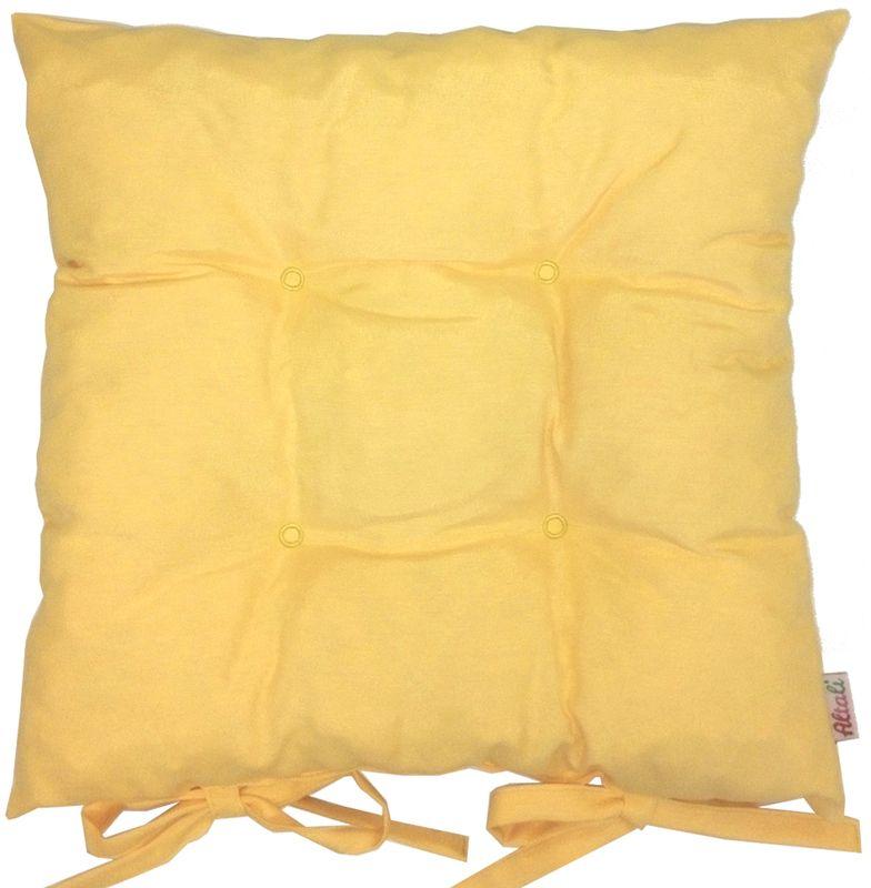 Подушка на стул Altali Лючия, 41 х 41 см1004900000360Подушка на стул является универсальным предметом домашнего интерьера. Используйте ее для удобства и гармоничного оформления кухонной зоны- на обеденных или барных стульях. Для концептуального декора столовой группы постелите скатерть, салфетки и дорожки на стол из одноименной коллекции. Эффектно будет смотреться парное сочетание подушек с принтом и однотонных компаньонов. В других помещениях подушки можно разместить на широком подоконнике, на полу, в игровой зоне или использовать для комфортного отдыха небольших домашних животных. Чехол подушки выполнен из натуральной хлопковой ткани, что обеспечивает высокую экологичность и износостойкость изделия. В качестве наполнителя применяется измельченный пружинистый пенополеуретан. Изначально, подушка выглядит достаточно высокой и пышной. В процессе эксплуатации наполнитель подлежит усадке при сохранении первоначального комфорта сидения за счет memory- эффекта материала. Рекомендуется деликатная стирка.