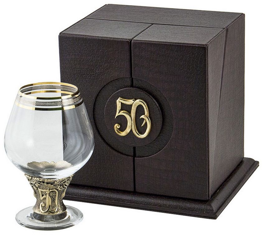 Бокал для бренди Арт-студия Классик 50 лет, 185 мл. БББ-50лет-ОТРOO 30960Латунь точное художественное литье, Богемское стекло с золотым декорированием. Кожаный футляр. DVD диск, открытка.