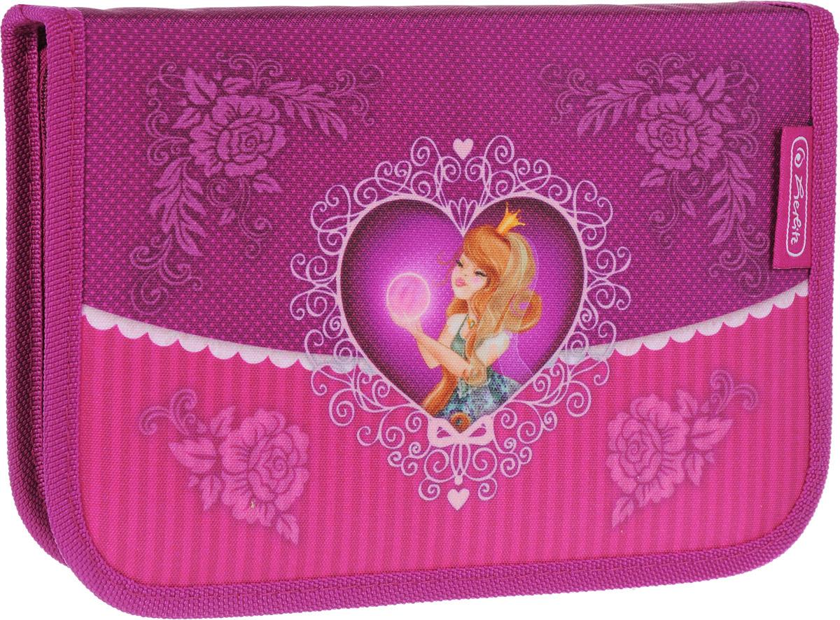 Herlitz Пенал Magic Princess с наполнением 31 предмет72523WDПенал с наполнением Herlitz Magic Princess выполнен из прочного материала и закрывается на застежку-молнию.Удобный, вместительный, с оригинальным и ярким дизайном пенал. наполнен полезными для вашей школьницы предметами: 1 шариковой ручкой, 2 чернографитными карандашами, 8 цветными карандашами, 14 фломастерами, линейкой и угольником, ластиком и точилкой, расписанием уроков на русском языке и личными данными ученика. Состоит из одного вместительного отделения и двух откидных створок.Этот пенал станет не только практичным, но и стильным школьным аксессуаром для любого ребенка.