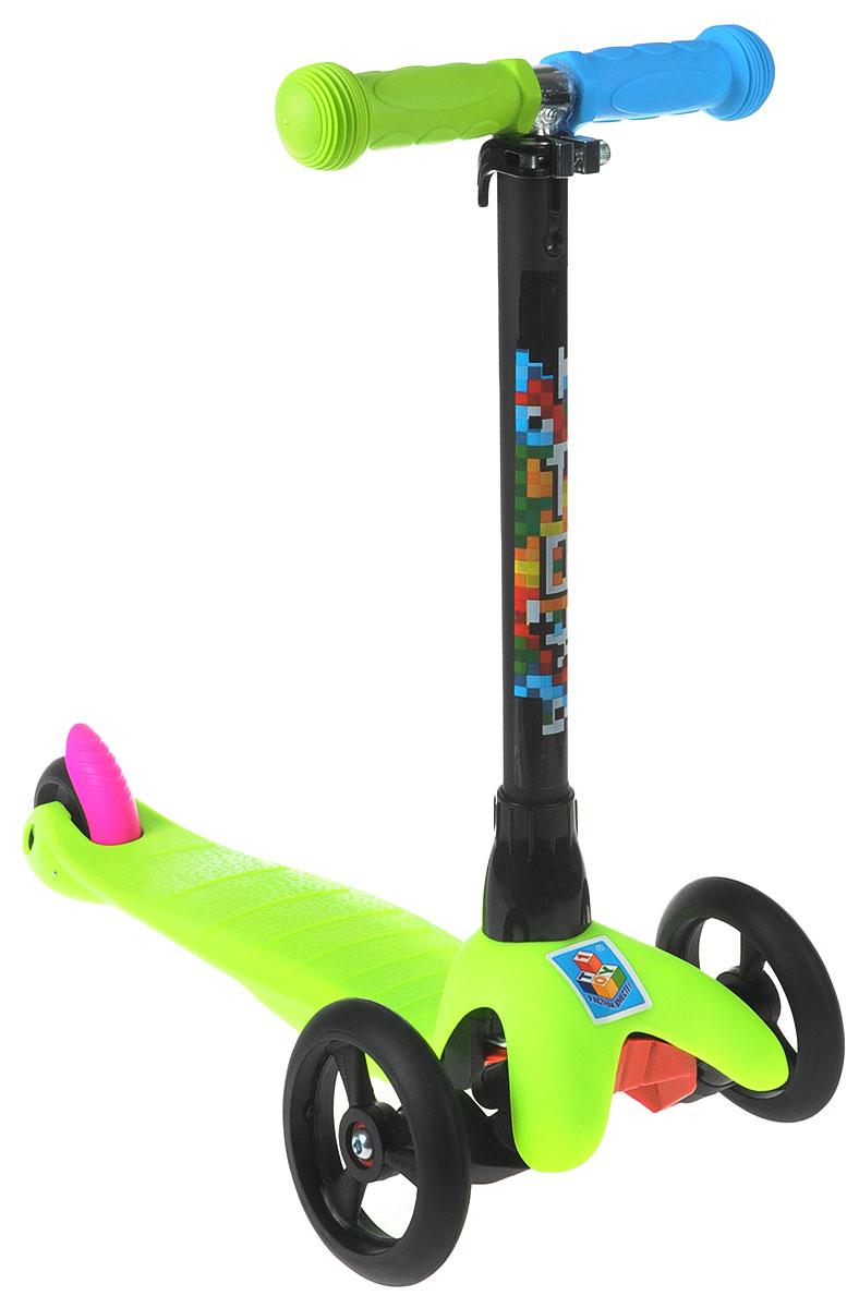 Самокат детский 1 Toy, трехколесный, с регулируемой ручкой, цвет: салатовый, черныйMHDR2G/AТрехколесный самокат 1 Toy - настоящая находка для тех малышей, которые только-только постигают азы катания. Он выполнен из высококачественных материалов. Сзади у самоката расположено одно колесо из полиуретана, а спереди - два колеса, что делает его более устойчивым и безопасным, чем модели с одним передним колесом.Управлять данным самокатом очень просто: при повороте ребенку надо лишь слегка наклонить рулевую стойку, а не поворачивать ее. Устойчивый детский транспорт имеет чувствительный ножной тормоз и мягкие разноцветные ручки. Катание на самокате окажет положительное влияние на ловкость, координацию движений и вестибулярный аппарат ребенка.Вес самоката: 1,85 кг.Максимальная нагрузка: 20 кг.Размер самоката: 55 х 11 х 70 см.Диаметр передних колес: 12 см.Диаметр заднего колеса: 7.6 см.Высота руля: от 70 до 90 см.